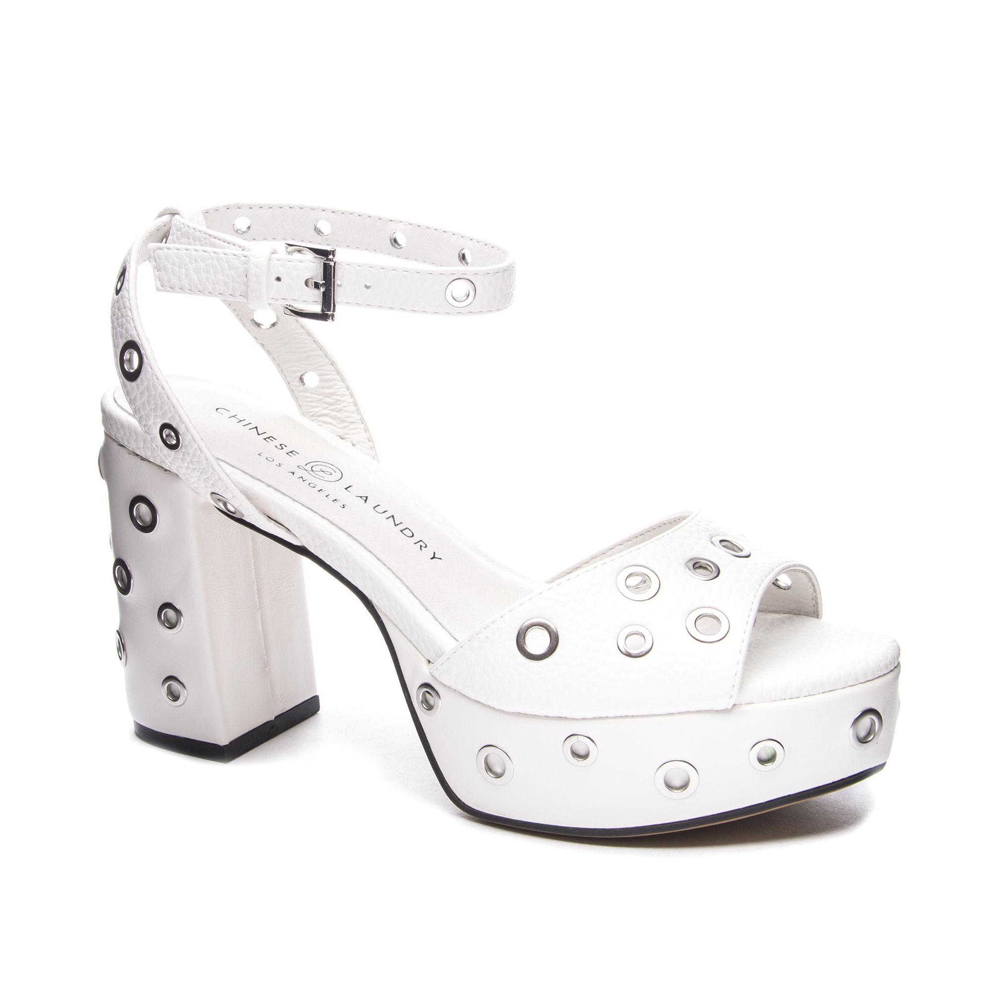 Chinese Laundry Women's Tara Grommet Platform Sandal RQYk2W
