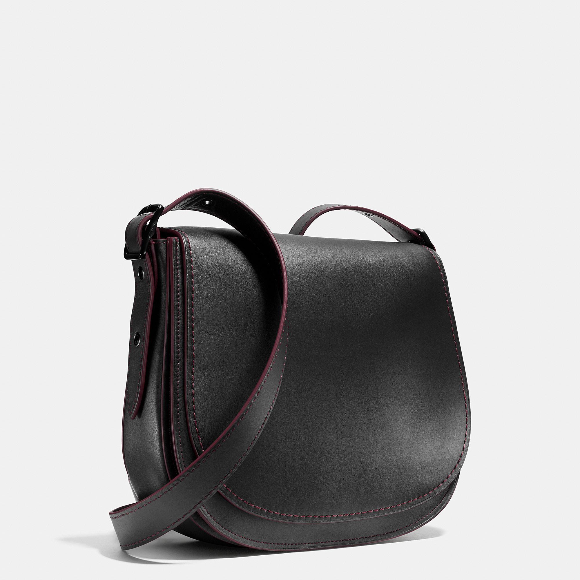 Coach Saddle Bag In Glovetanned Leather in Black (MATTE ... Saddle Bag