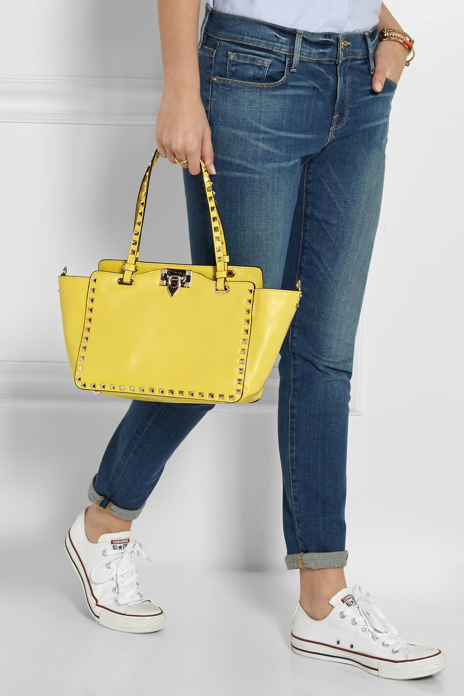 bb9558f566 Valentino The Rockstud Small Leather Trapeze Bag in Yellow - Lyst