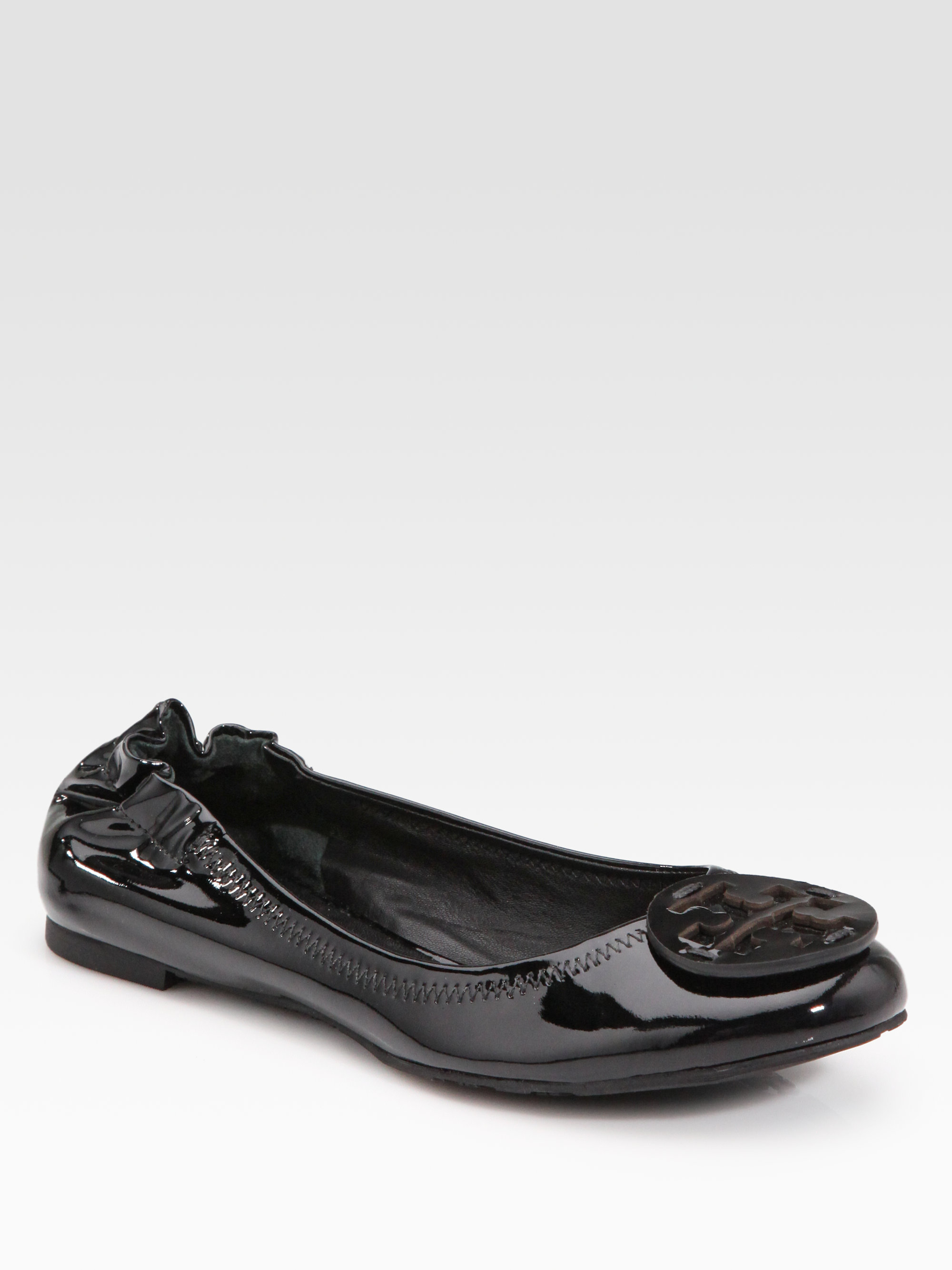 834a6d6b1d3 Lyst - Tory Burch Reva Patent Leather Ballet Flats in Black