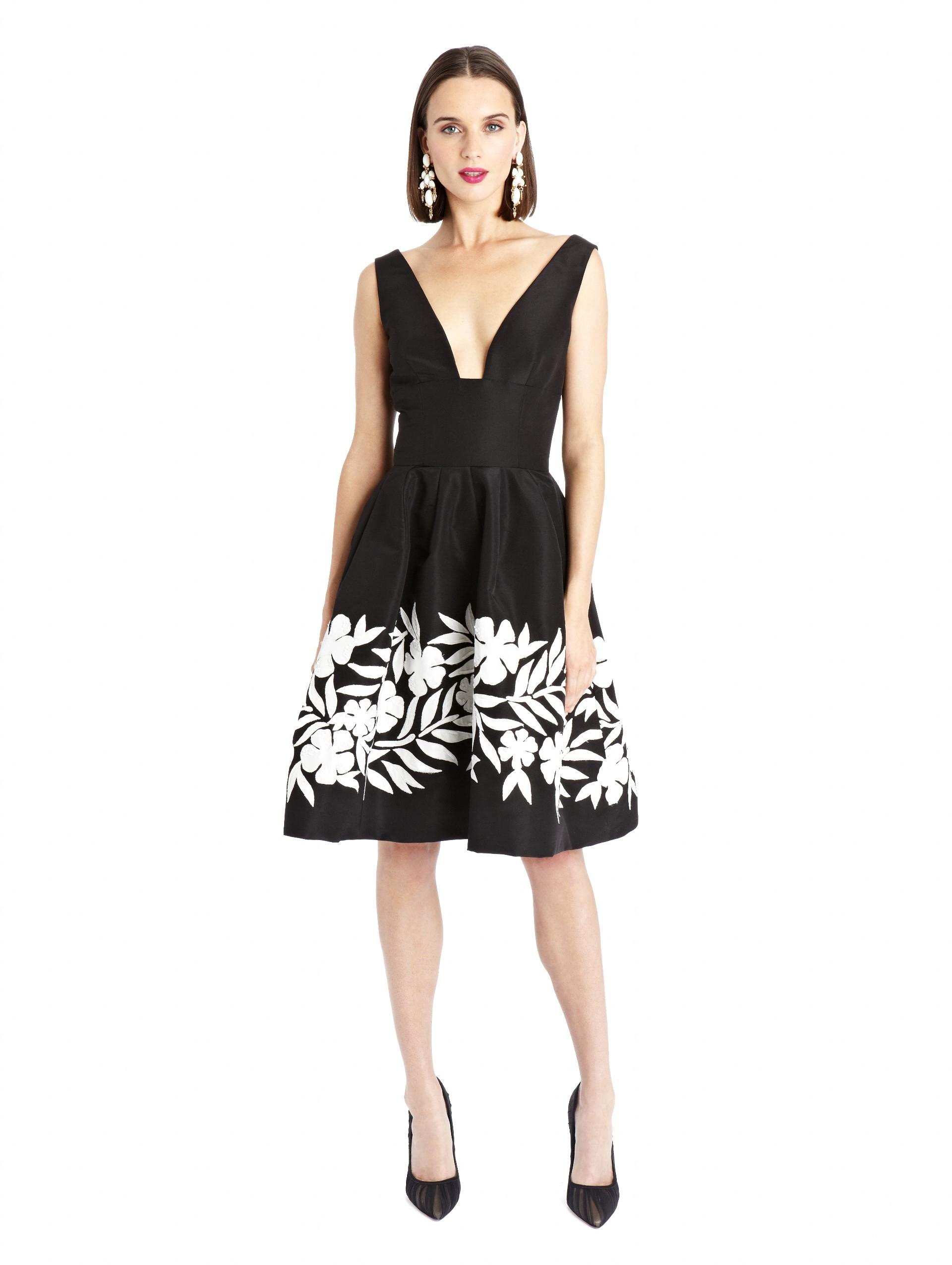 3263becdf3 Lyst - Oscar de la Renta Deep V-neck Embroidered Silk Faille Dress ...