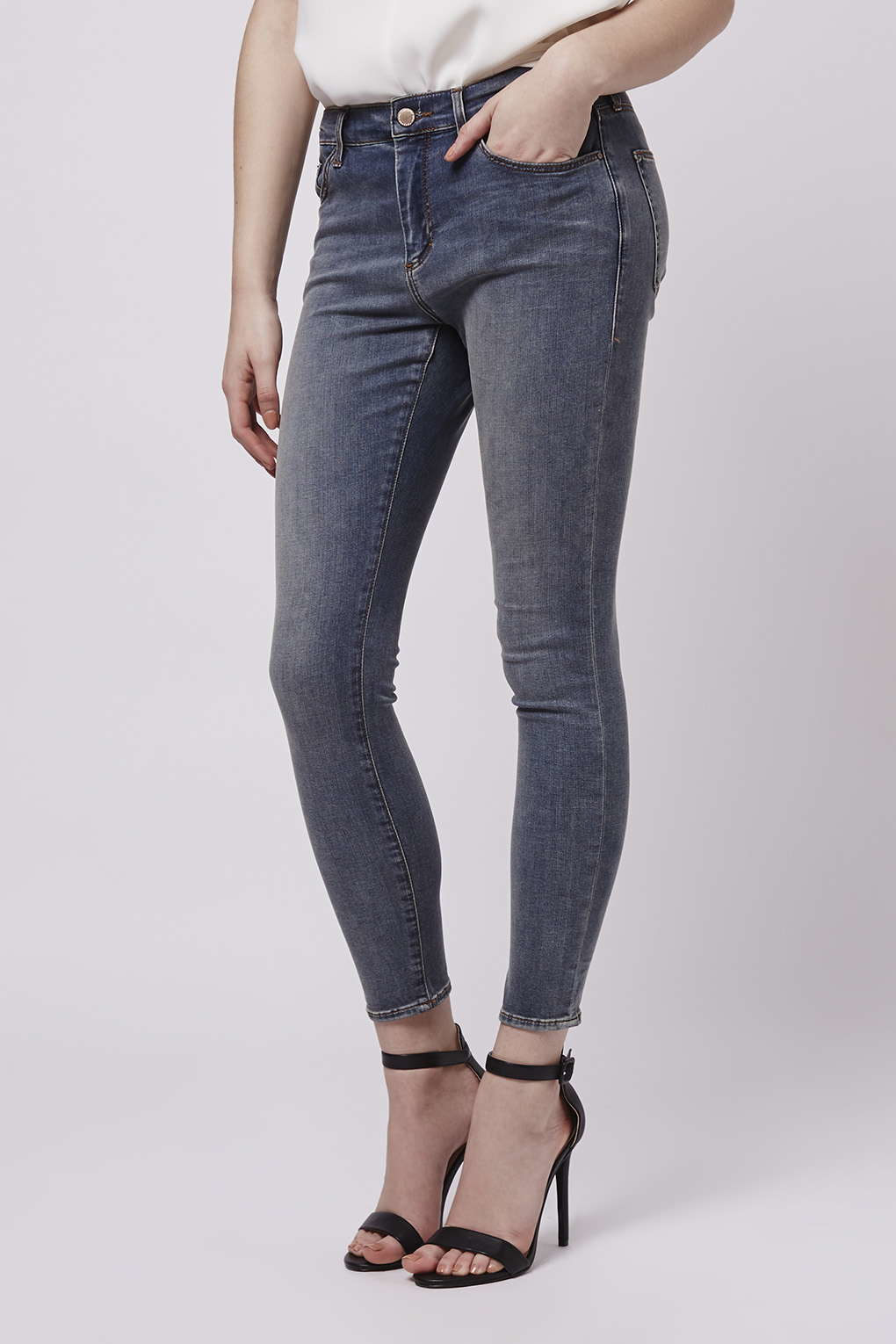 topshop petite smoky grey leigh jeans in gray grey lyst. Black Bedroom Furniture Sets. Home Design Ideas