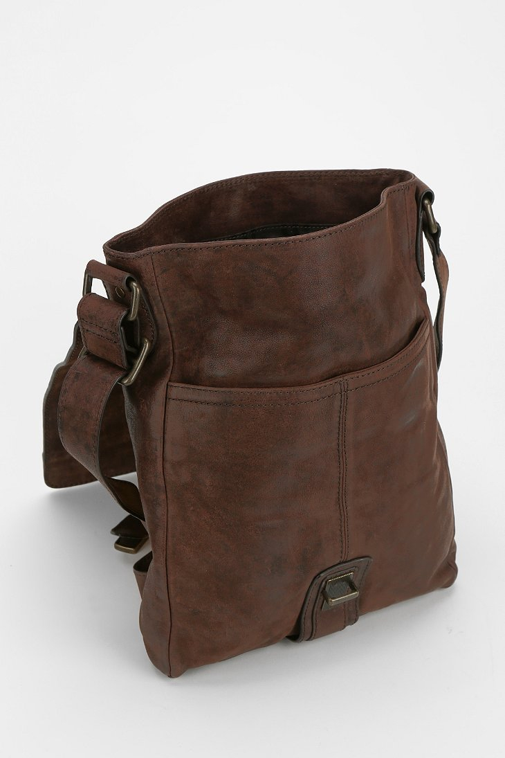 Frye Logan Small Leather Messenger Bag in Brown | Lyst