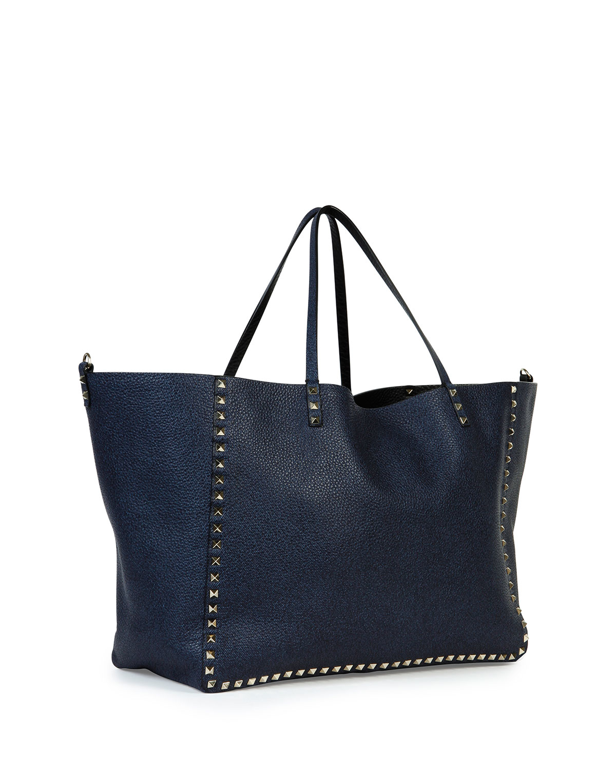 a43b4e9759 Gallery. Previously sold at: Neiman Marcus · Women's Reversible Bags  Women's Valentino Rockstud Bags
