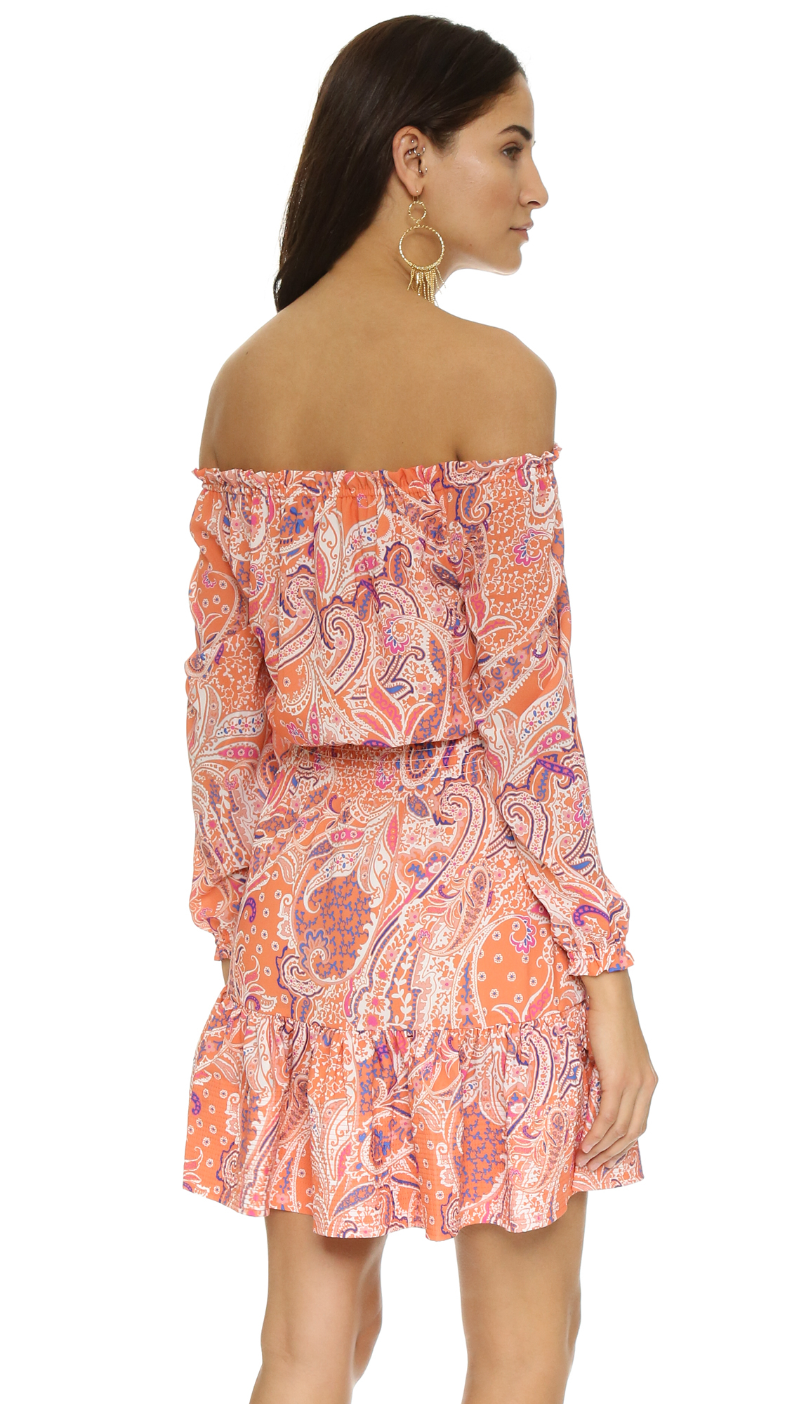 Looking for hot, off-the-shoulder looks? Lulu's has the cutest selection of off-the-shoulder and cold-shoulder tops, dresses, and rompers! Dresses Red Dresses Blue Dresses Green Dresses Purple Dresses Teal Dresses Pink Dresses Peach Dresses Grey Dresses Coral and Orange Dresses Taupe Dresses Yellow Dresses. 70% OFF .