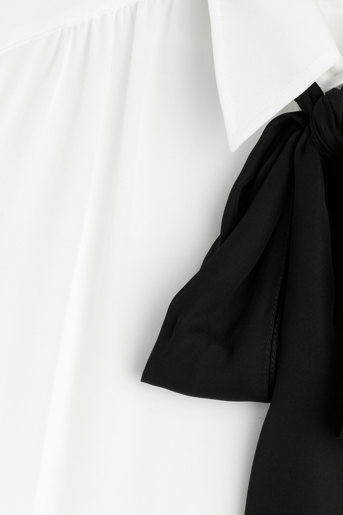 211d94ea5e5a29 Black Silk Blouse With Bow - Foto Blouse and Pocket Fensterdicht.Com