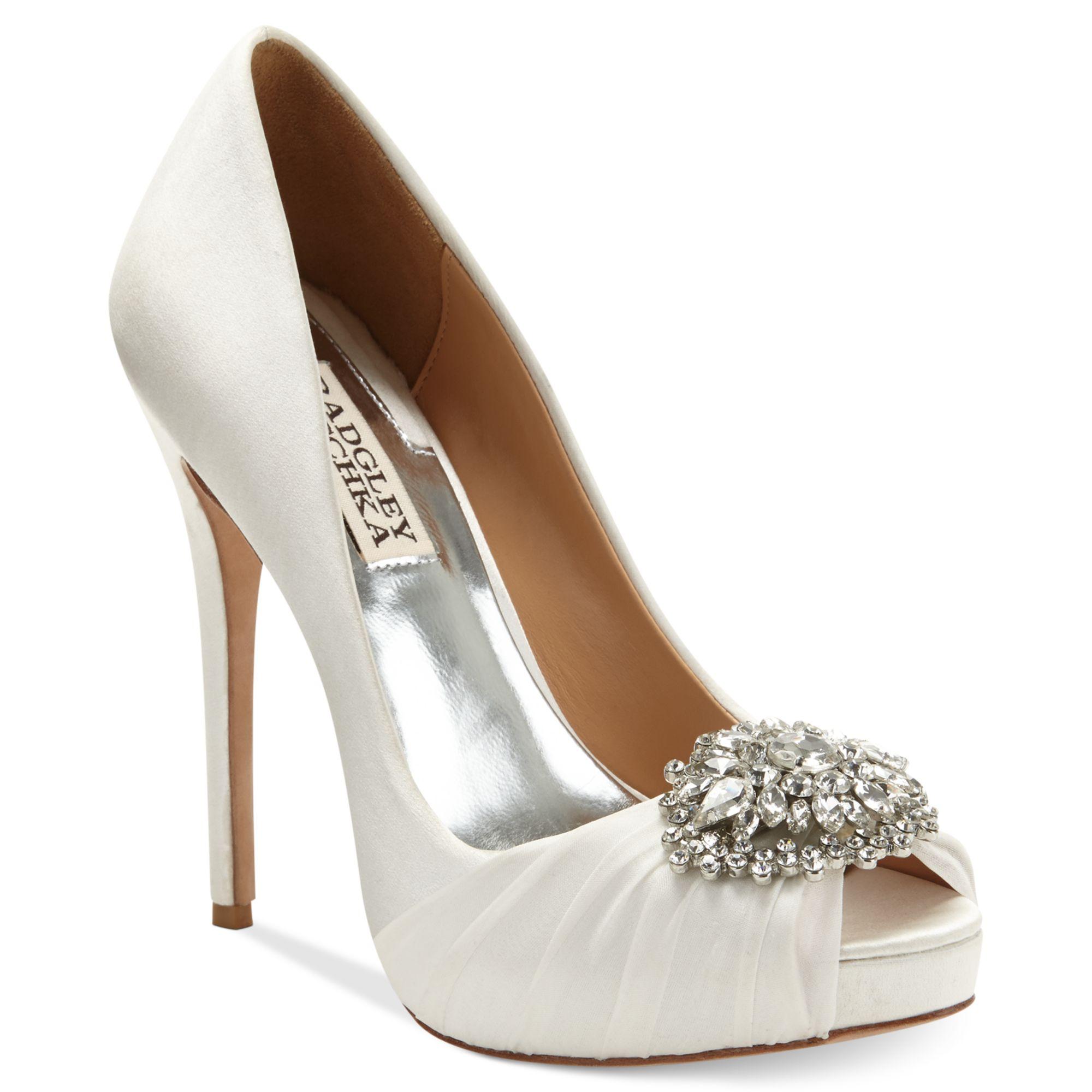 Badgley Mischka White Satin Shoes