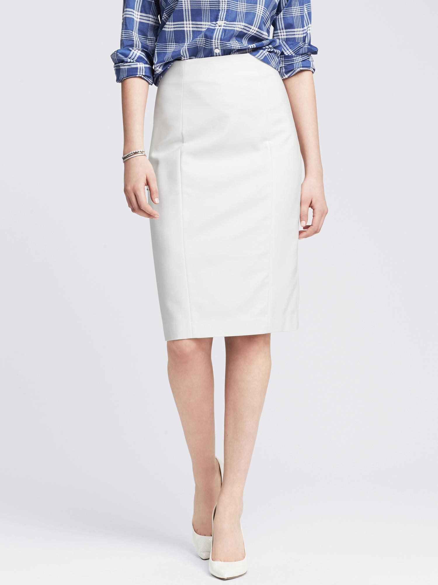 76bd6ed01e Banana Republic Sleek Suit Pencil Skirt in White - Lyst