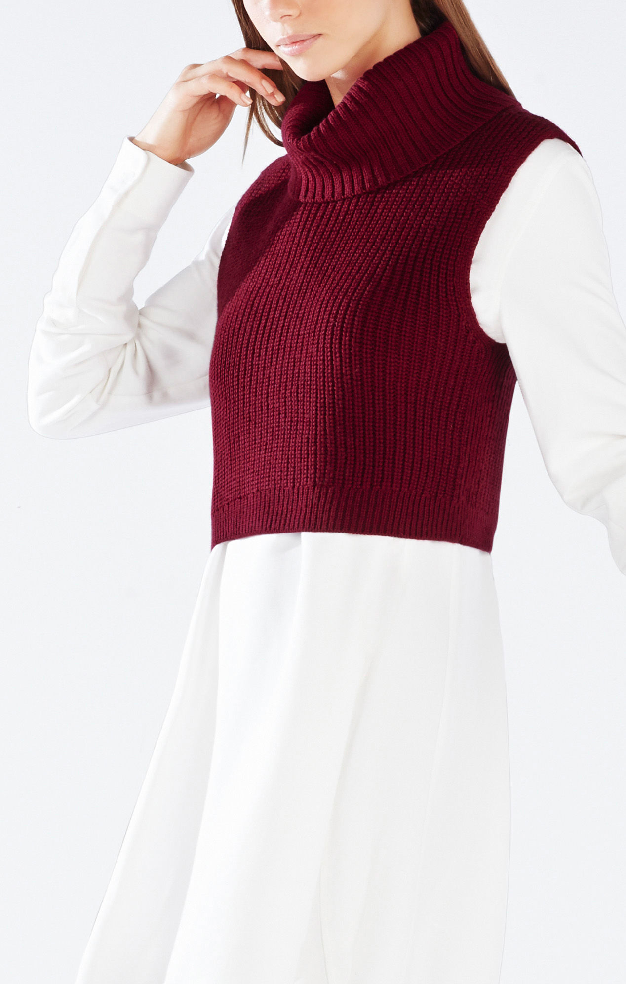 Bcbgmaxazria Casia Cropped Turtleneck Sweater in Red | Lyst