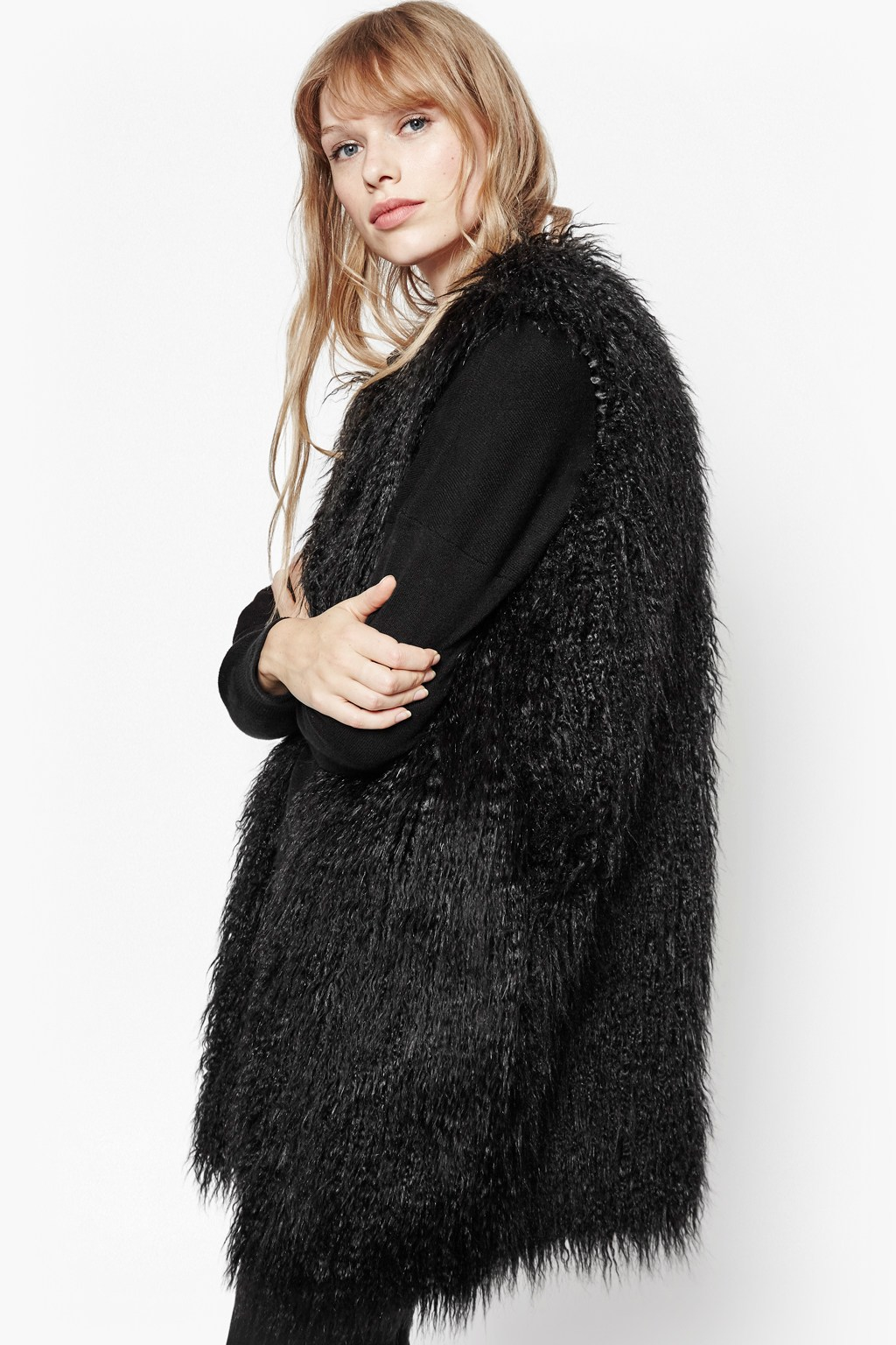 Today's modern update on the traditional fur jacket is the fun fur gilet. Simple, yet stunning, these fur gilets will wow your friends. Simple, yet stunning, these fur gilets will wow your friends. Fur gilets are being worn with jeans, leggings, skirts and dress pants/5(19).