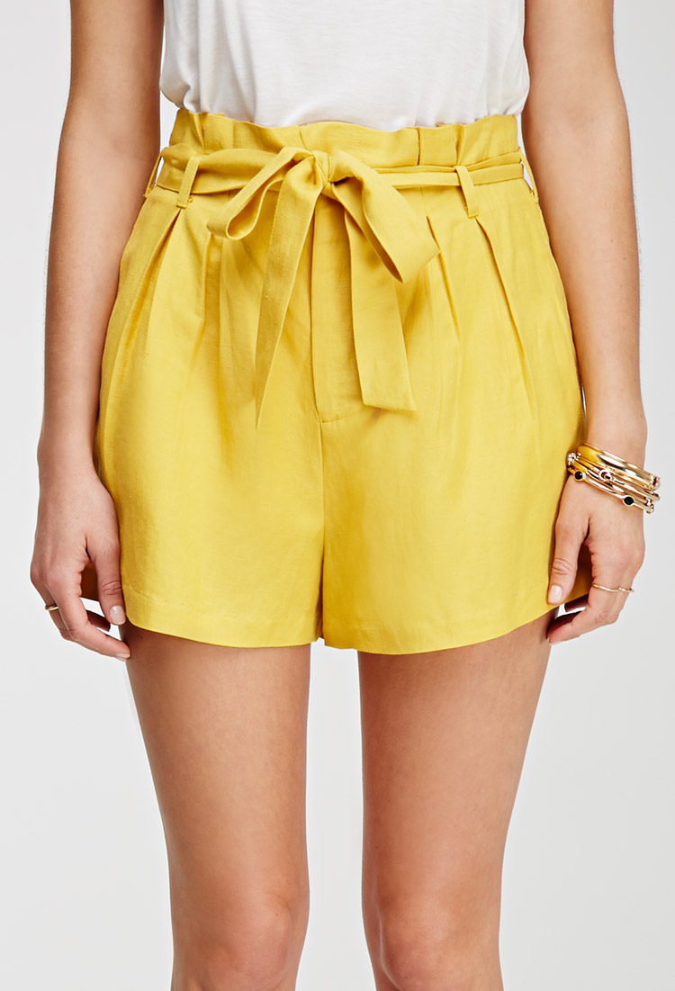 Forever 21 Contemporary Pleated High-waisted Shorts in Yellow | Lyst