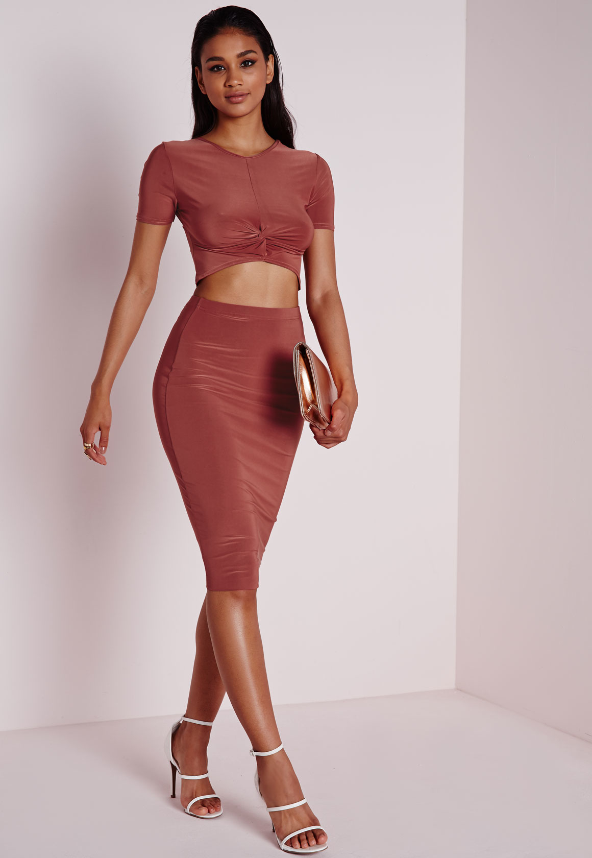 3066235ed8d3e9 Lyst - Missguided Knot Front Capped Sleeve Slinky Crop Top ...