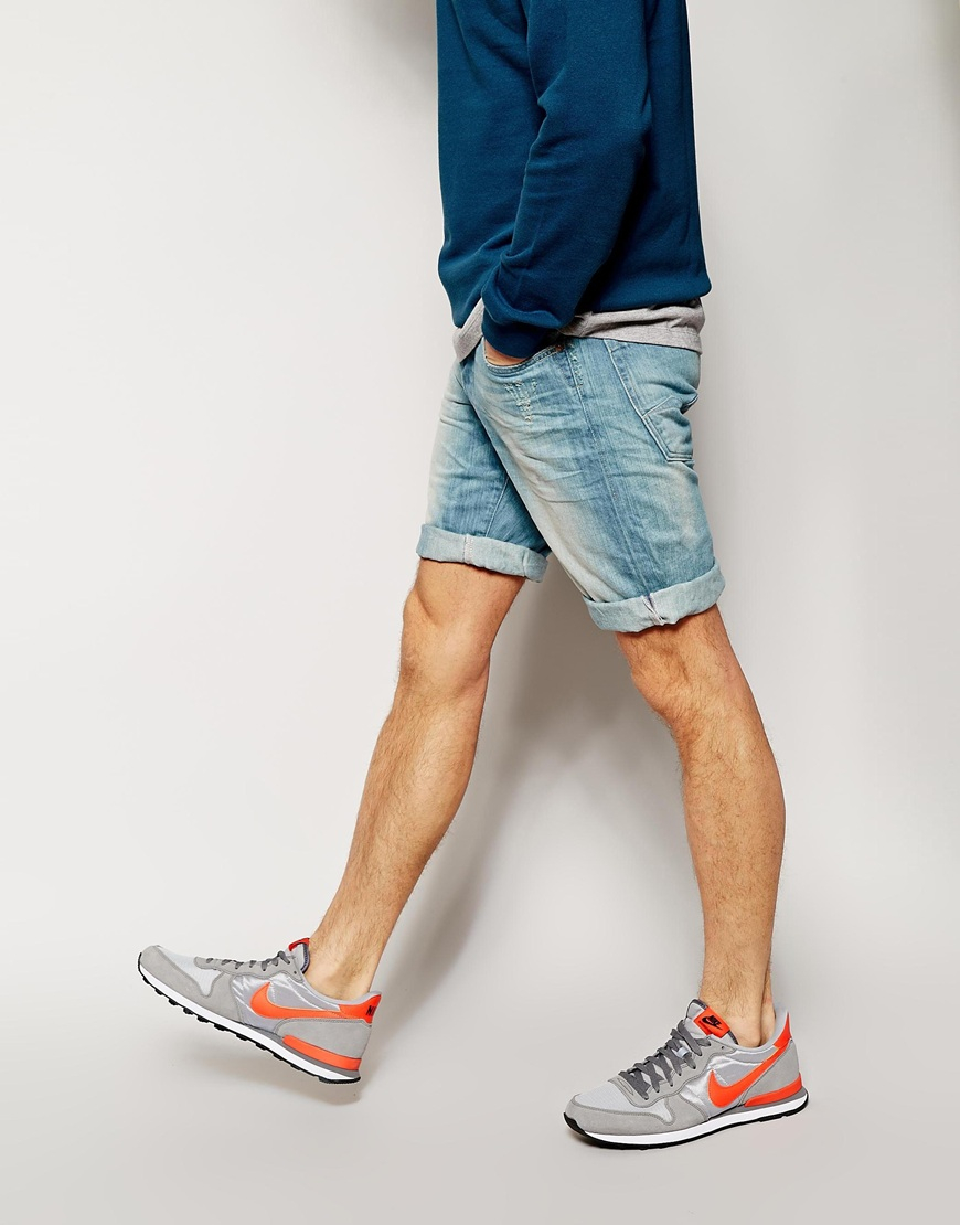 UK-Shop Exklusive Angebote letzte Auswahl Replay Blue Denim Shorts Straight Fit Light Sunfaded Distress Wash for men