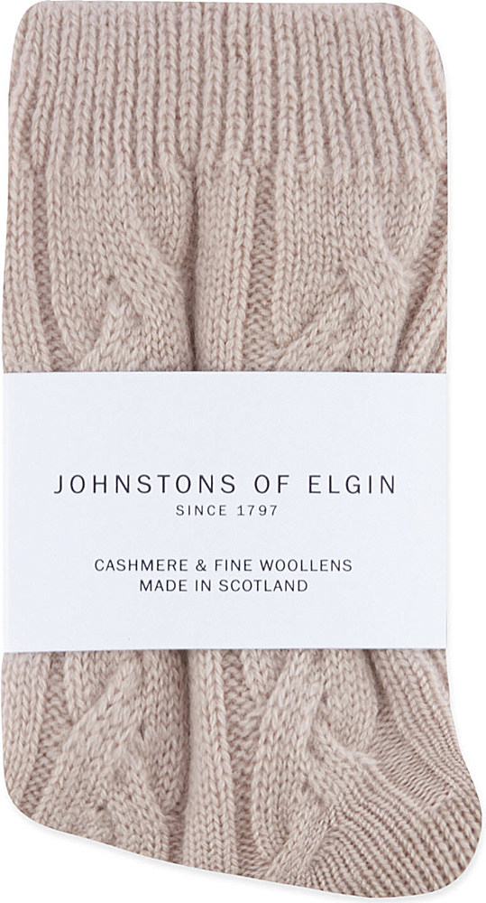 Johnstons Cable Knit Cashmere Socks in Beige Lyst