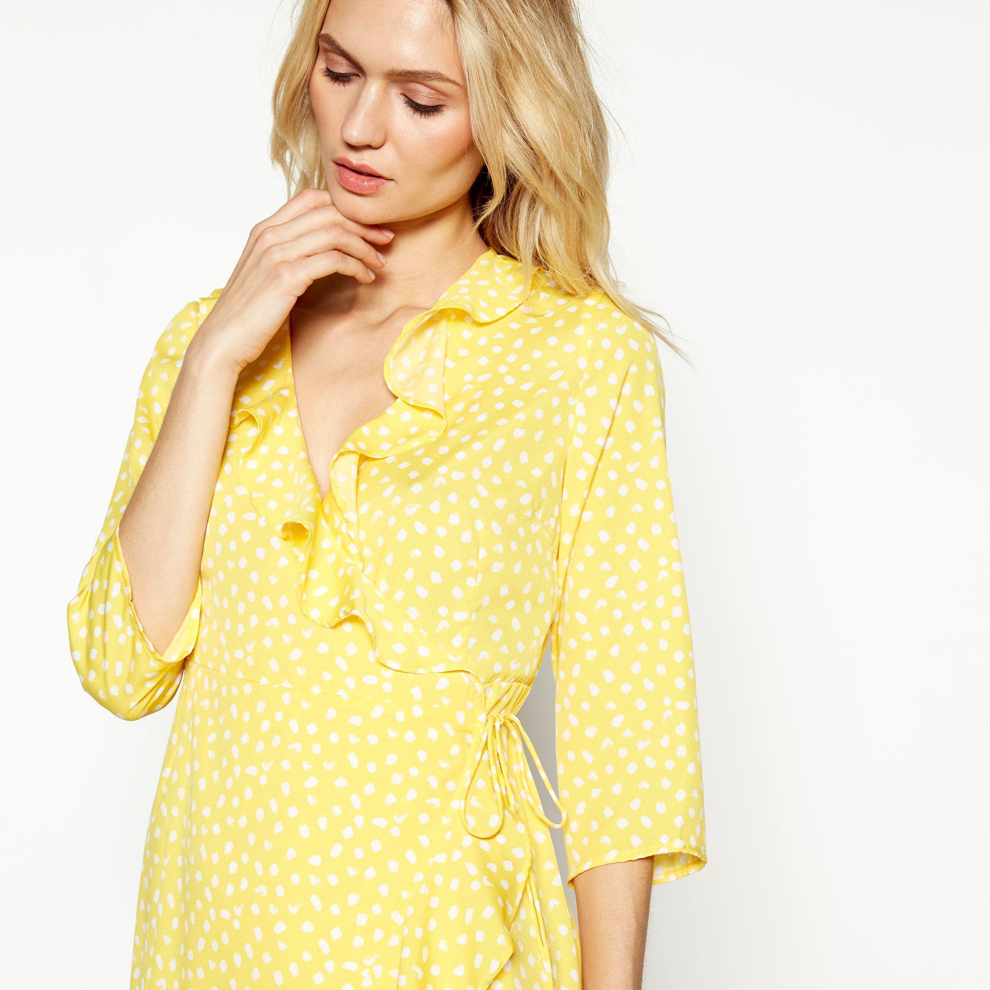 b1961dce Vero Moda Yellow Spot Print 'henna' V-neck 3/4 Length Sleeve Wrap ...