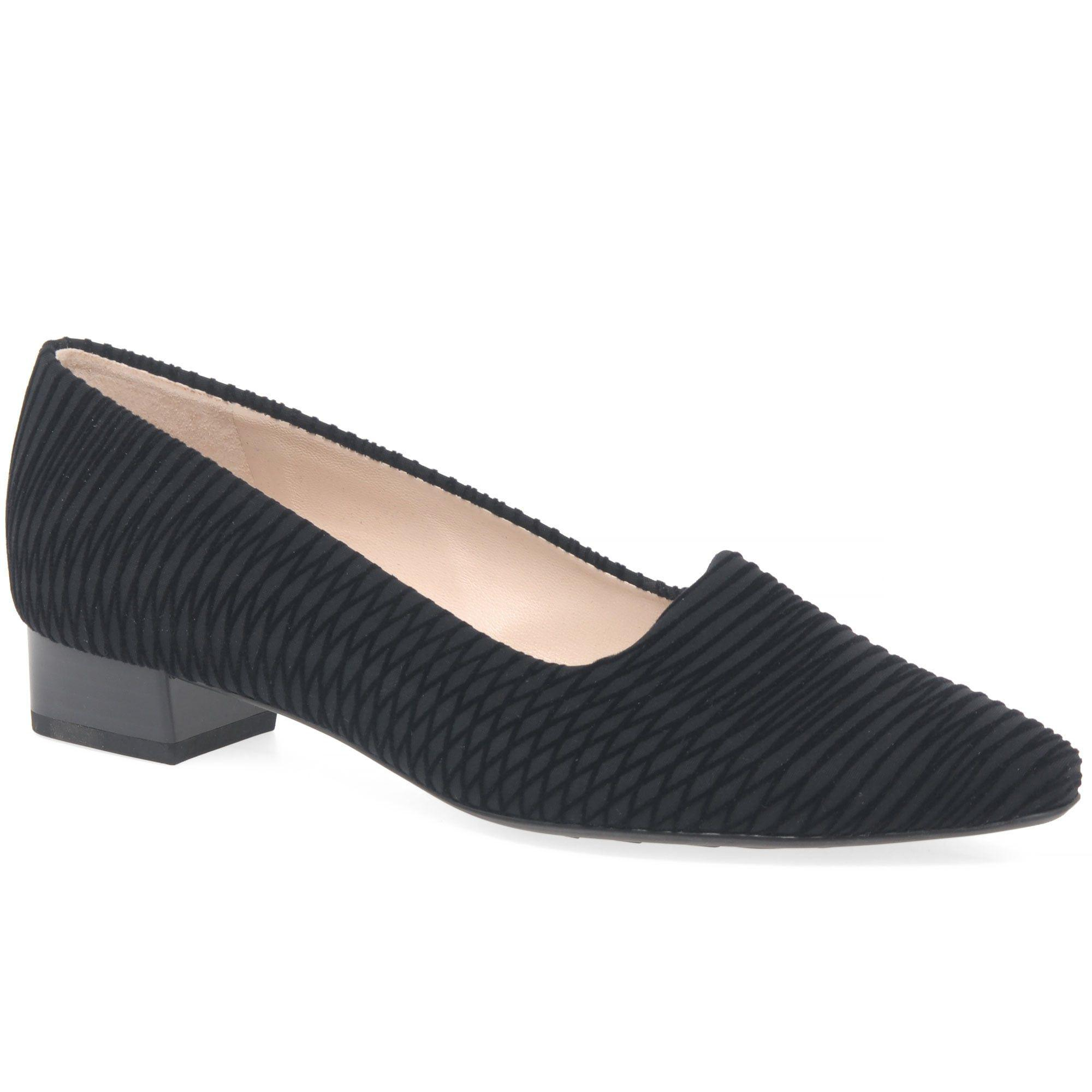 Black 'Lisana' low heeled shoes sale prices UnR0ld6