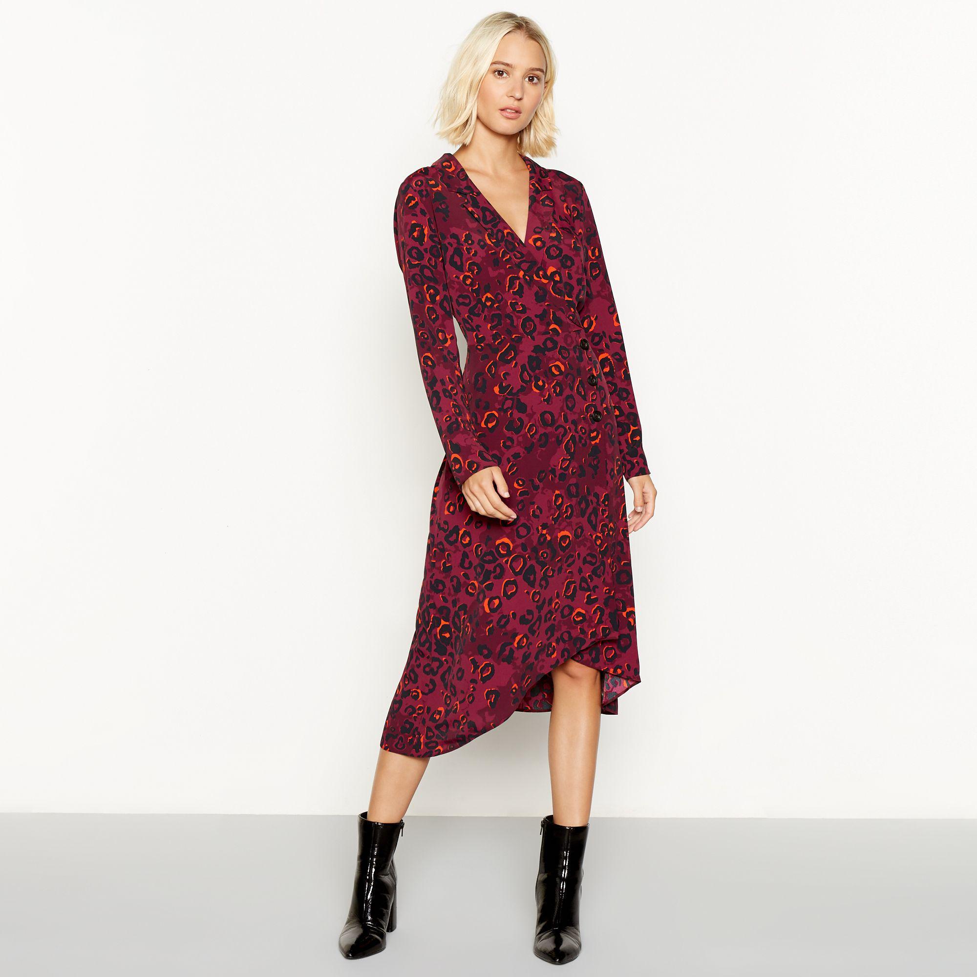 3b898373ee39 Red Herring Leopard Print Long Sleeve V-neck Midi Dress in Purple - Lyst