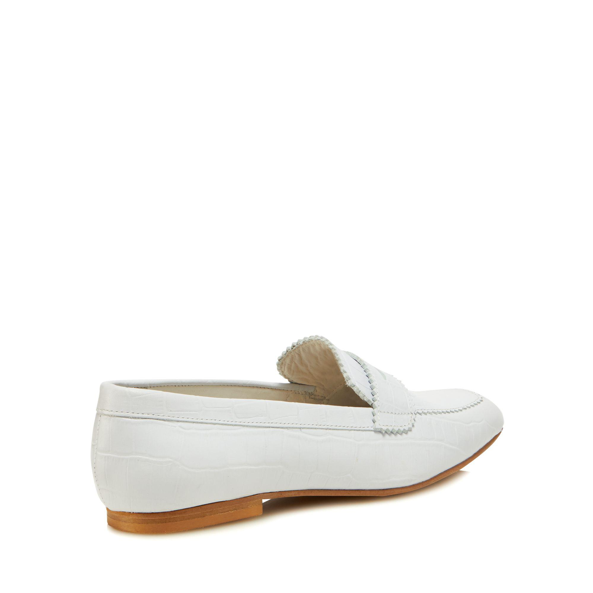 amazon sale online cheap finishline White leather 'Jaunty' loafers LF3hCJL
