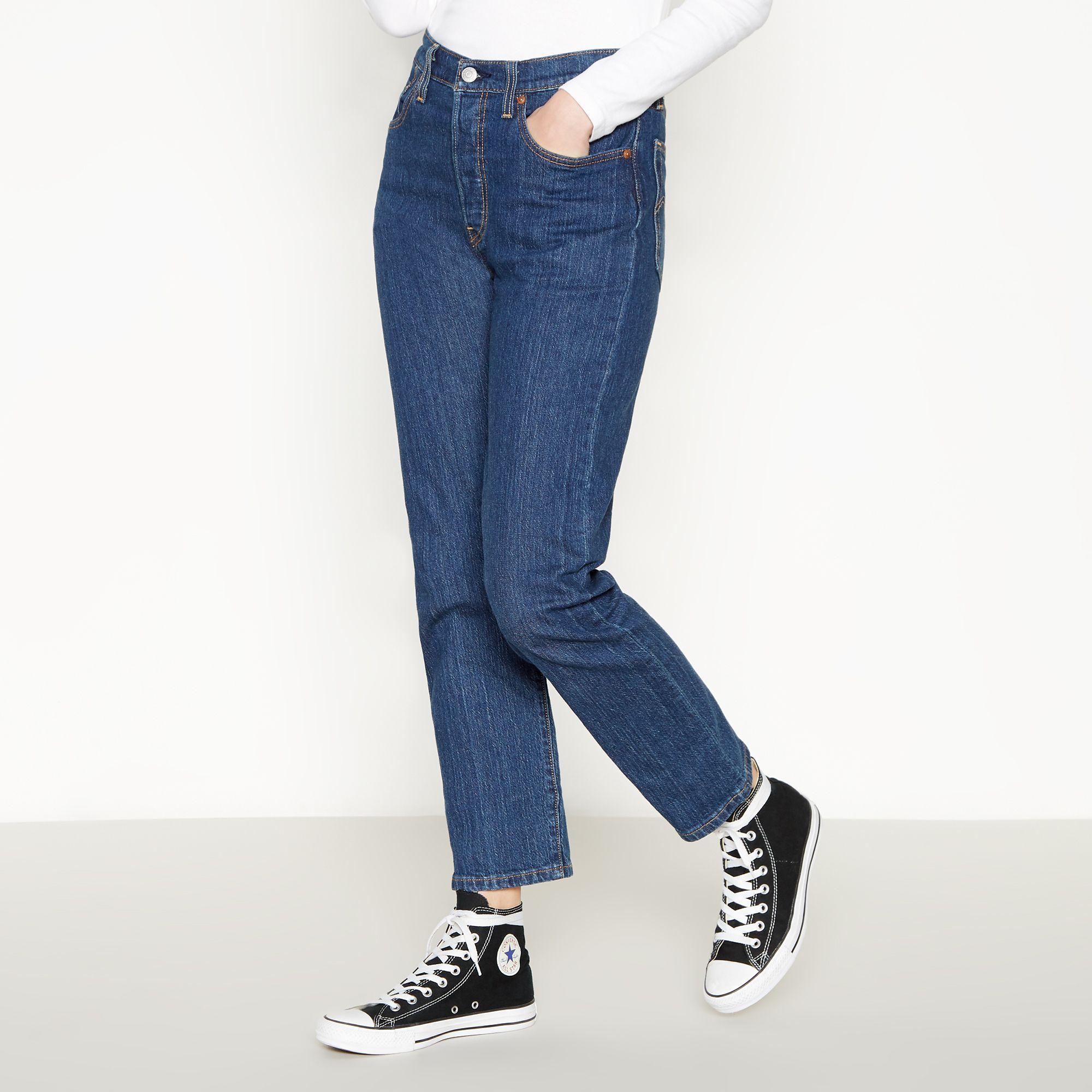 fd53ef74 Levi's Blue Mid Wash '501 Crop' Straight Leg Jeans in Blue - Lyst