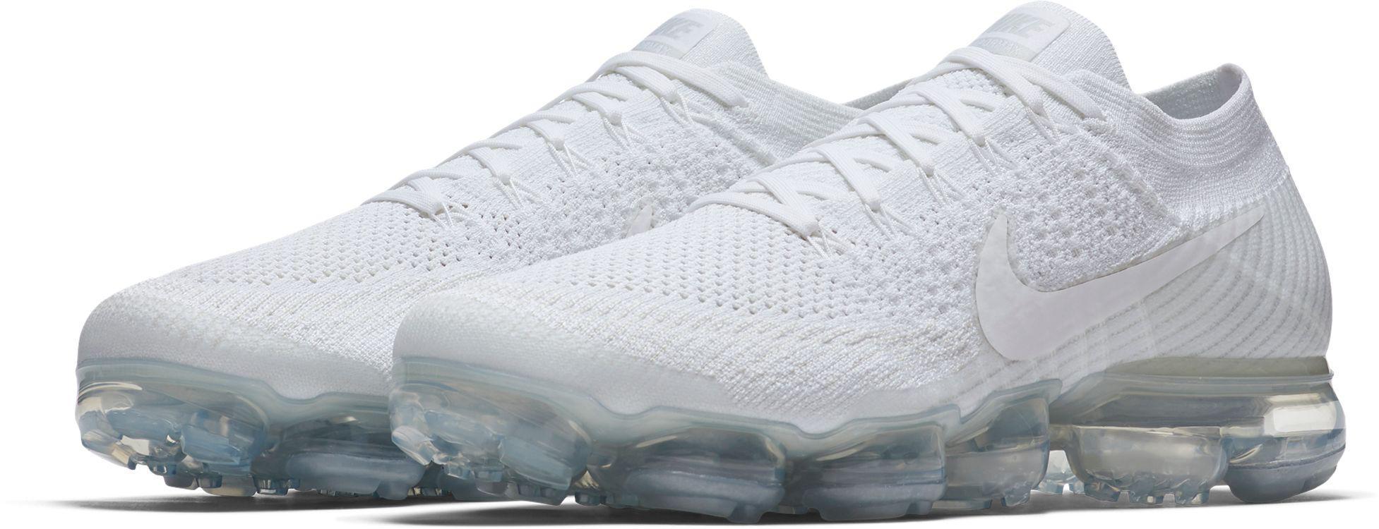 d00fd8e5e0bf0 Lyst - Nike Air Vapormax Flyknit Running Shoes in White for Men