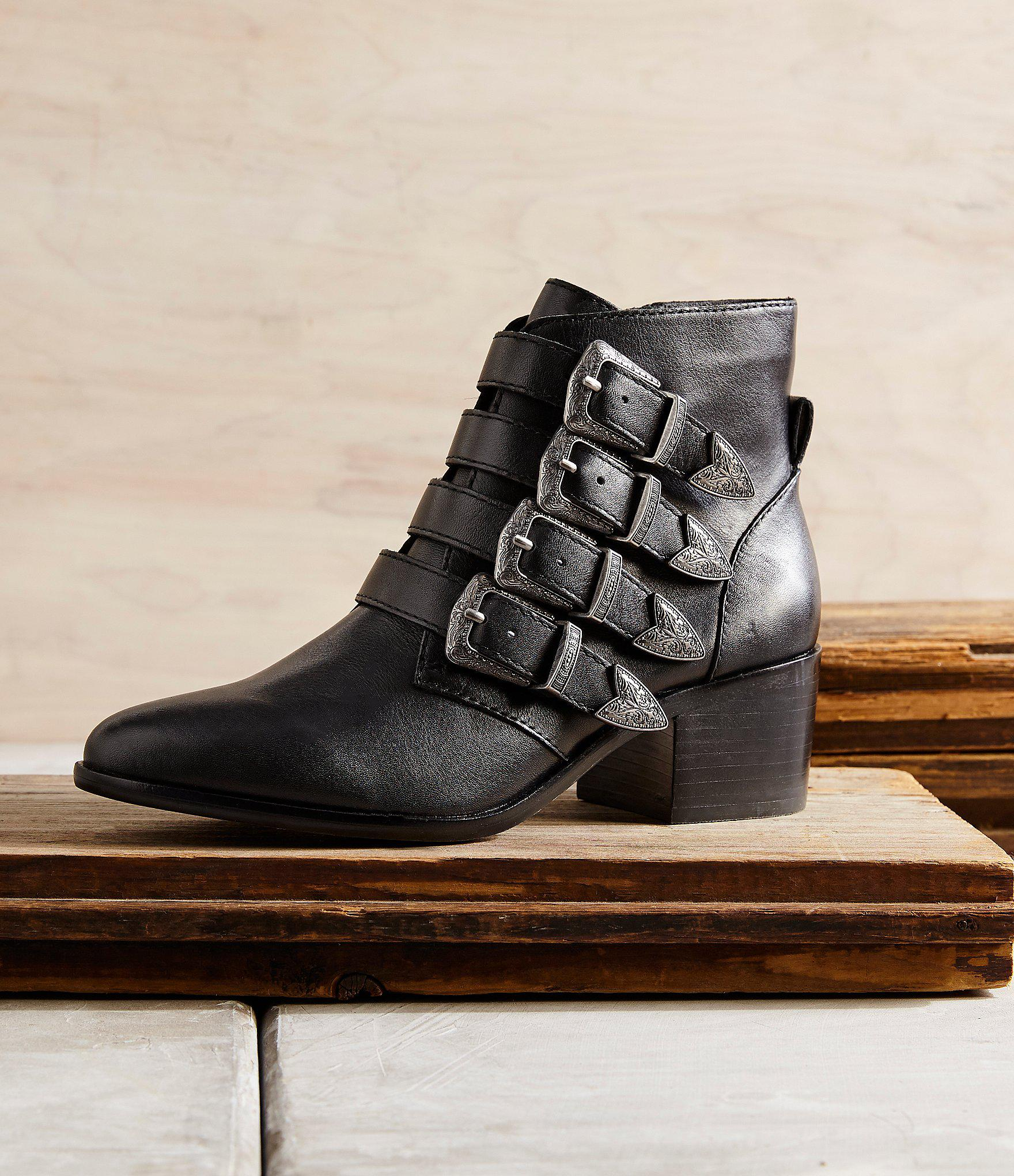 e548a2e9e6d Lyst - Steve Madden Billey Leather Western Buckle Detail Booties