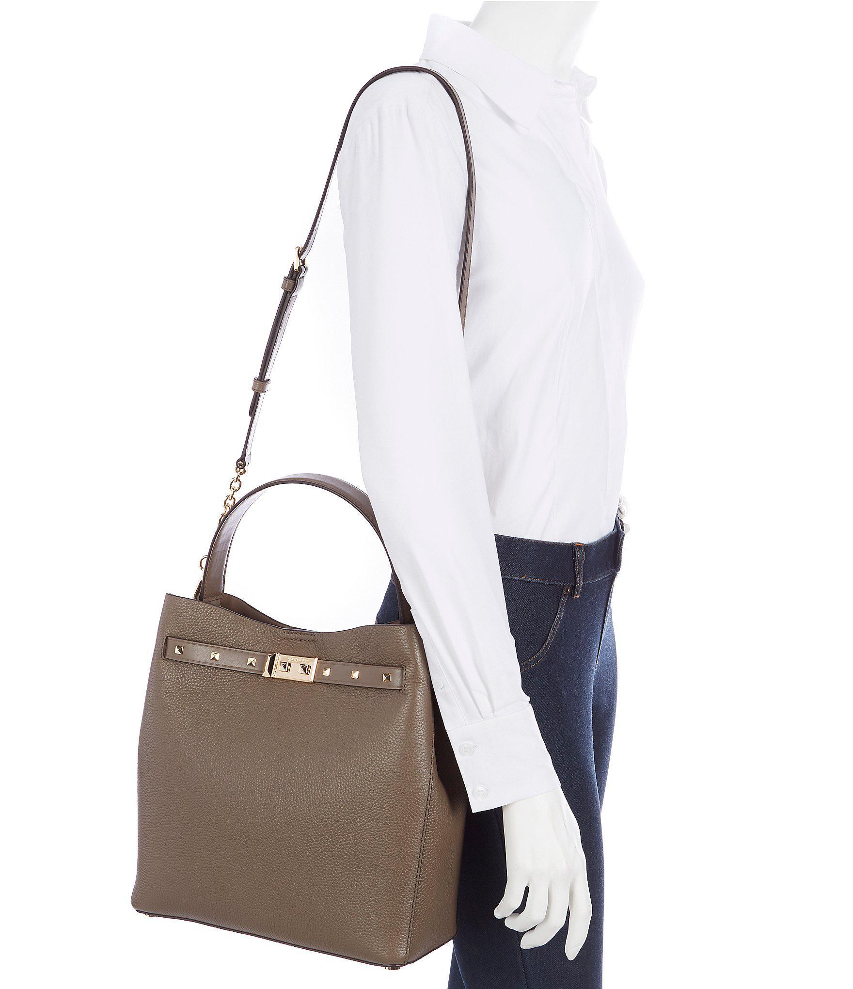 8e3e8fb27c75 Lyst - MICHAEL Michael Kors Addison Medium Bucket Bag
