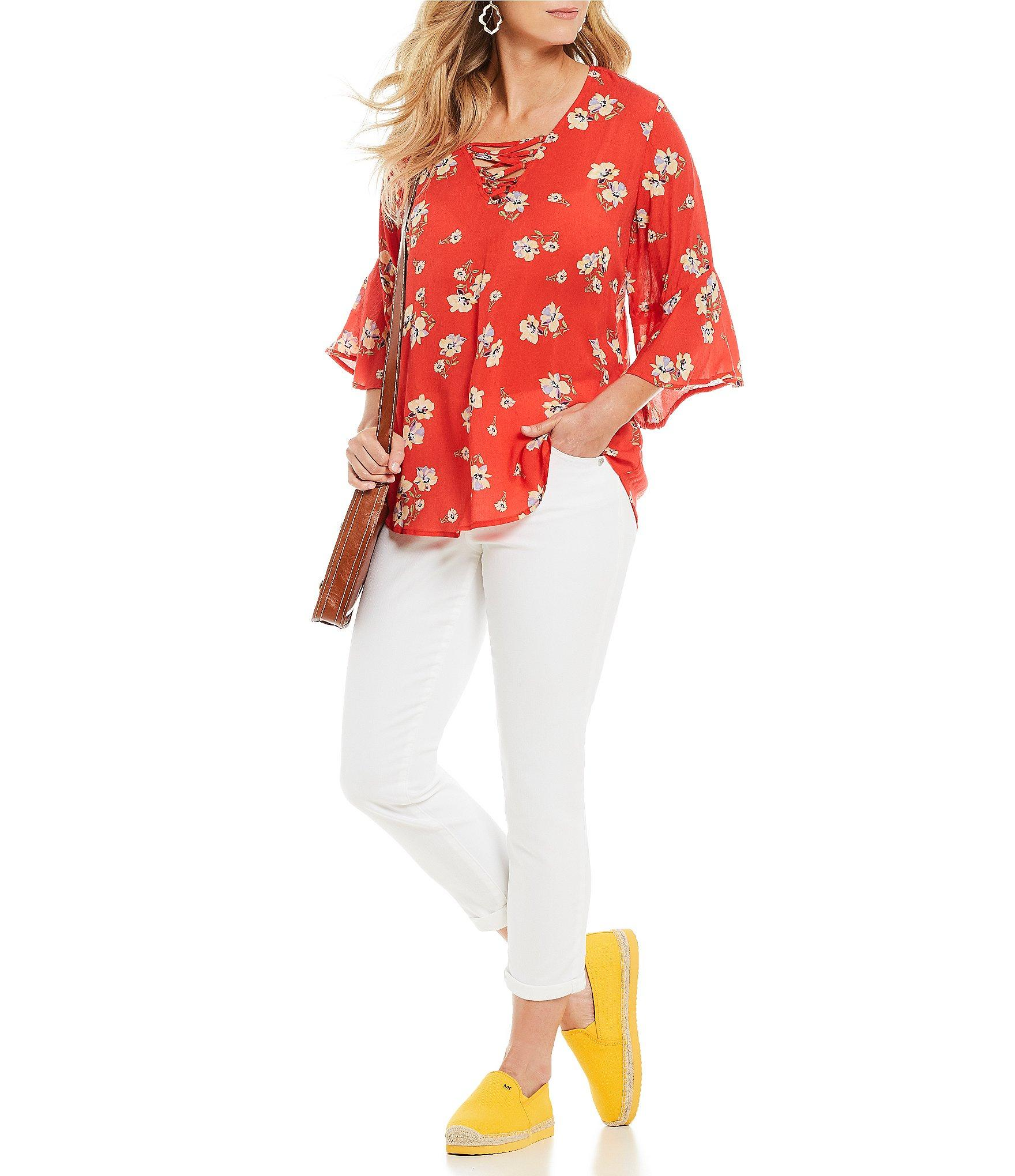 0c4dce1fc91 Democracy - Red Lace-up V-neck Poppy Print High-low Hem Top. View fullscreen