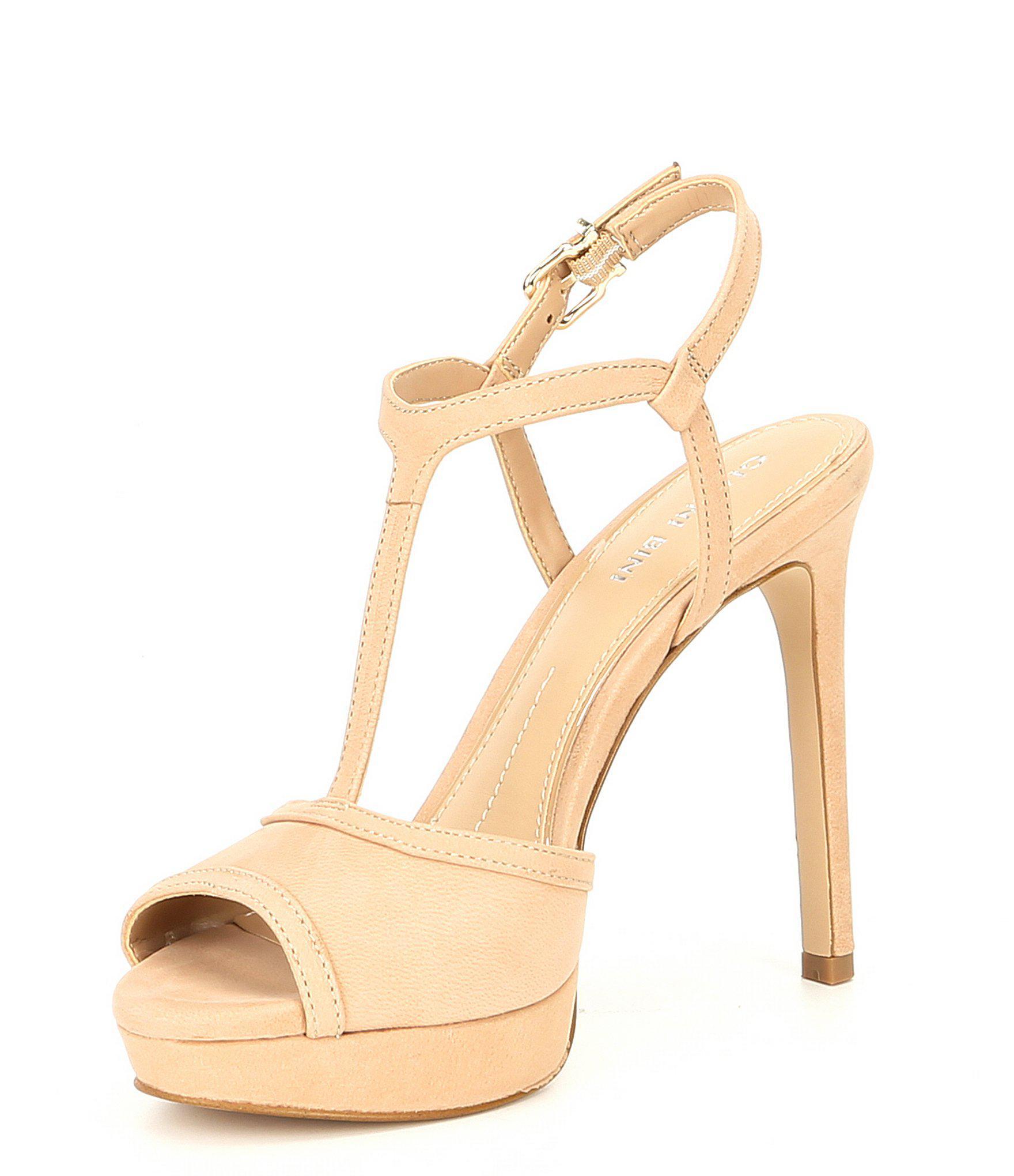 cddc9de6373 Lyst - Gianni Bini Kayler Platform Sandals