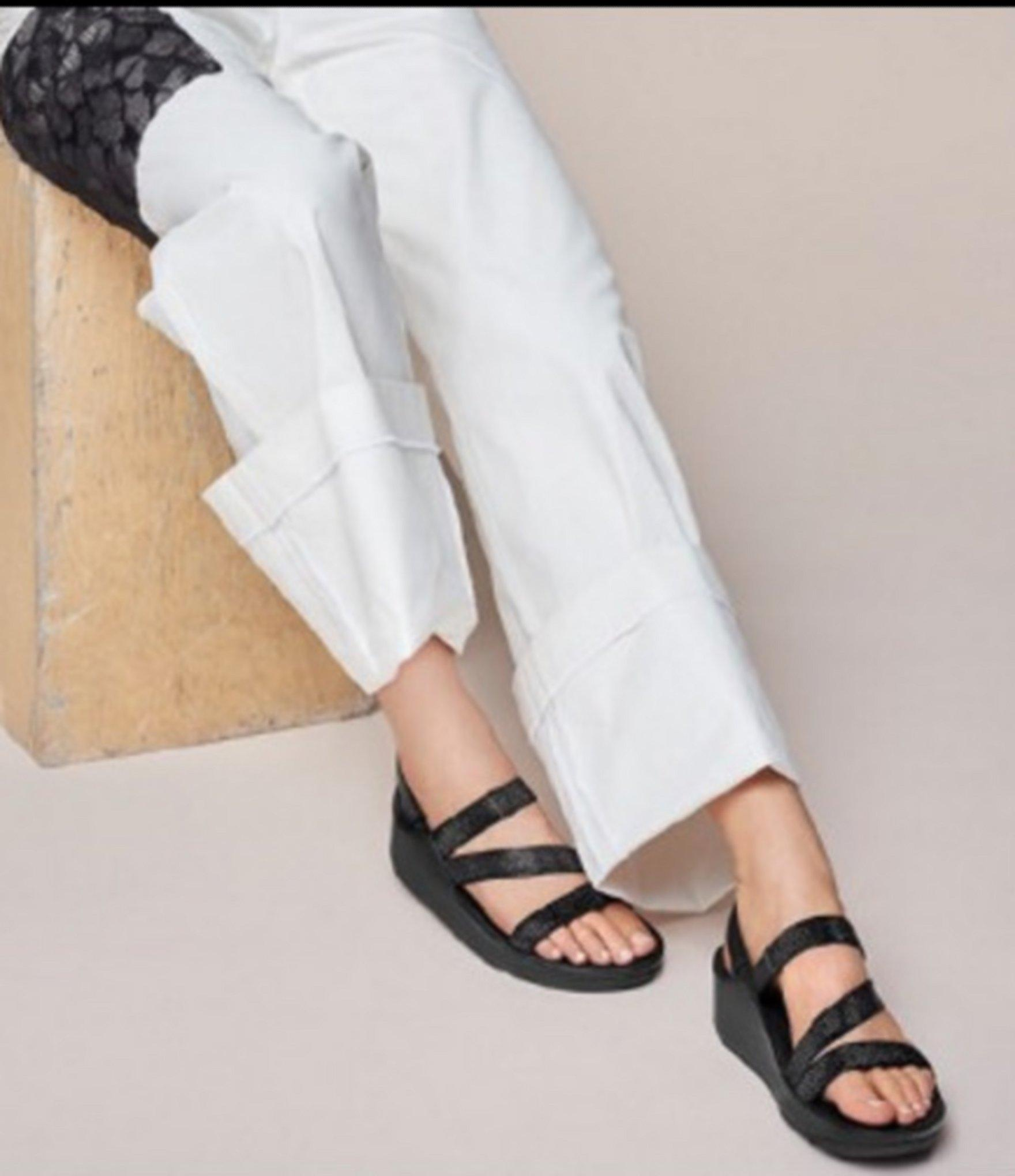 2e1a06ee5 Lyst - Fitflop Crystal Z-strap Sandals in Black