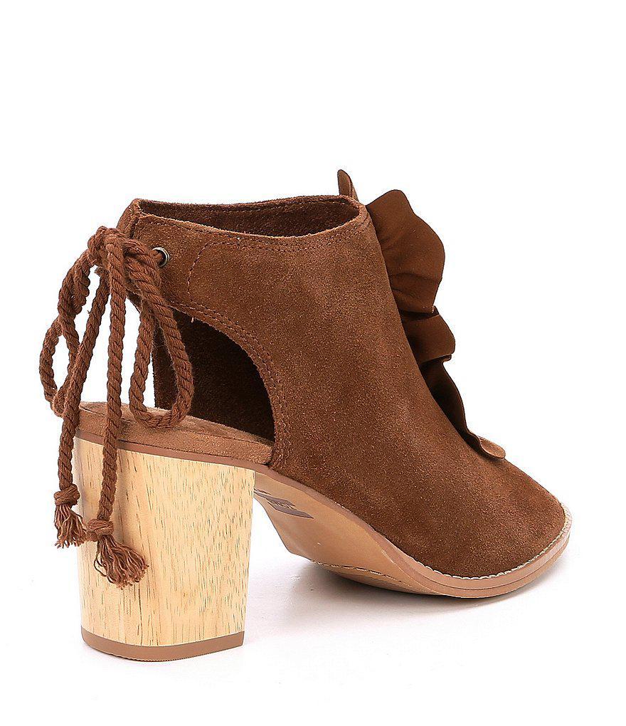 Elba Ruffle Suede Wooden Block Heel Sandals 6aChly