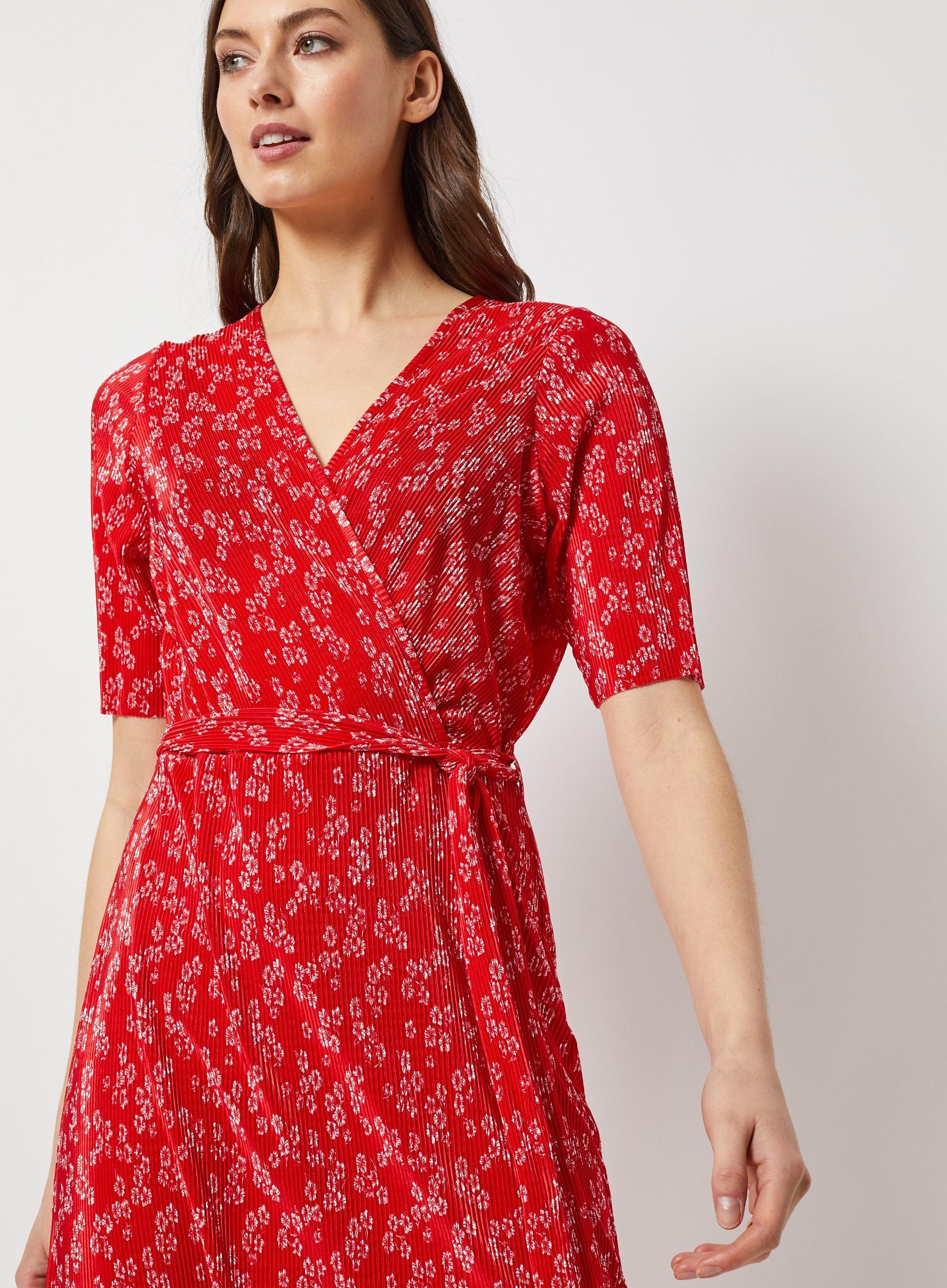 a19290f8933 Dorothy Perkins - Red Ditsy Print Plisse Midi Dress - Lyst. View fullscreen