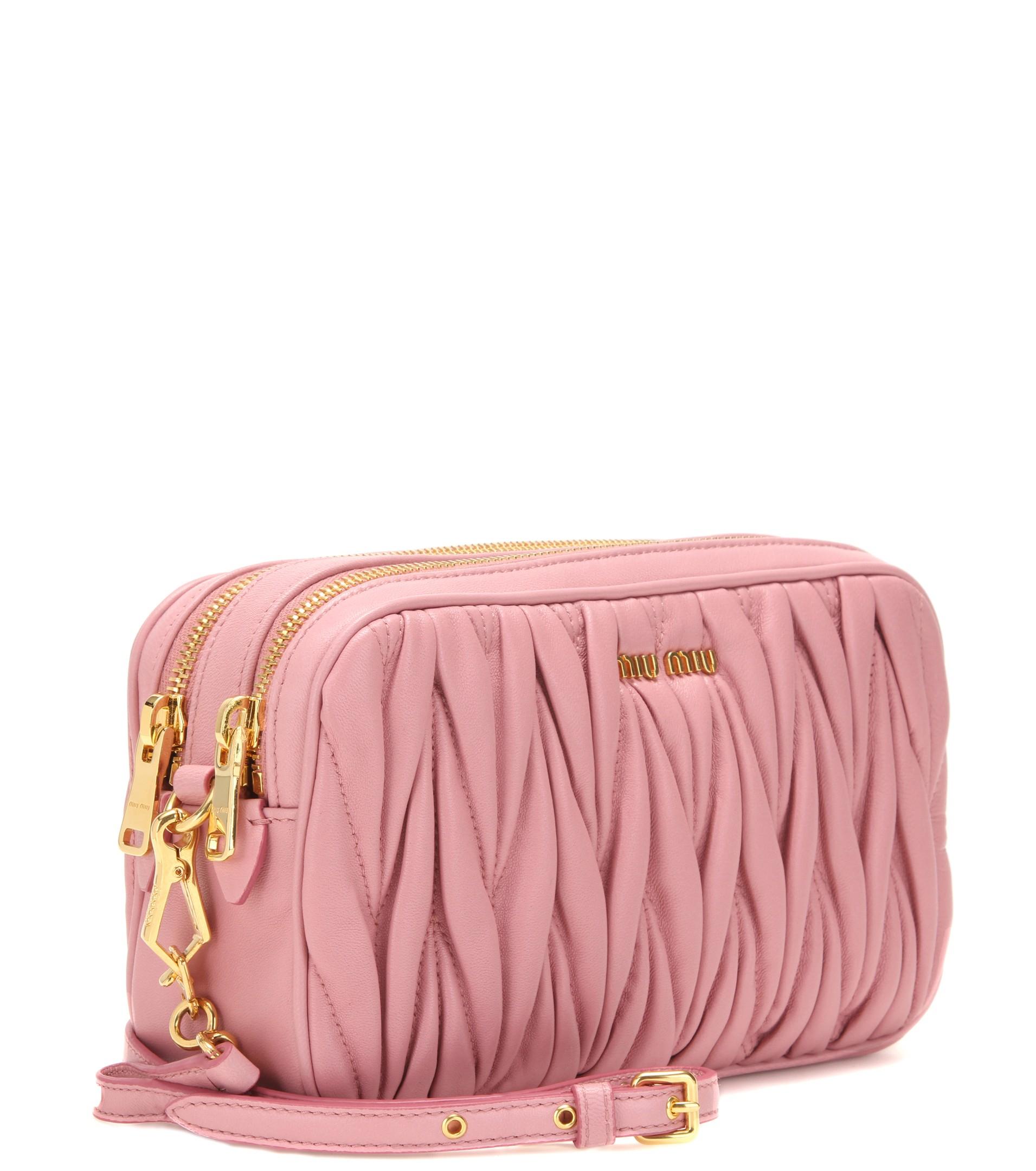 10aca4acc01b Miu Miu Matelassé Leather Shoulder Bag in Pink - Lyst