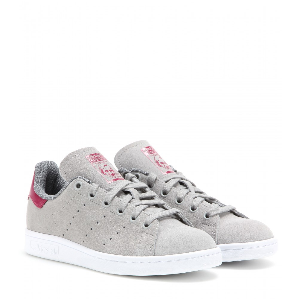 reputable site f17ef a75c7 Gallery. Previously sold at  Mytheresa · Women s Adidas Stan Smith