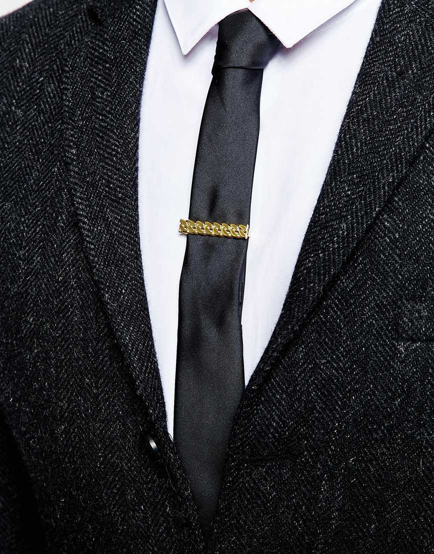 Looks - How to clip tie wear with chain video