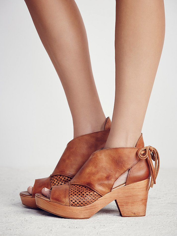 Free People Revolver Clog In Brown Lyst