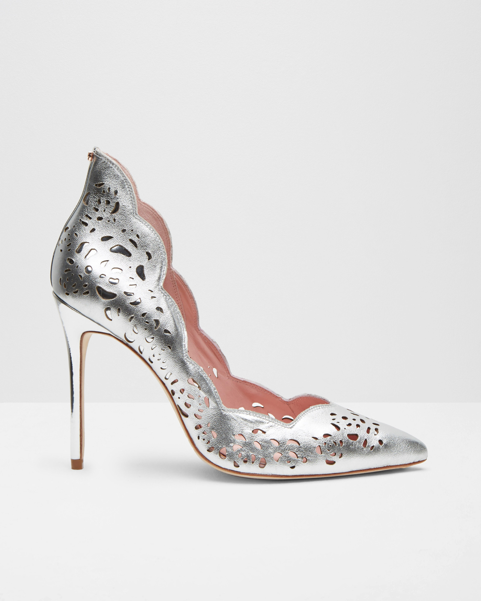c658db931fab4a Ted Baker Metallic Bow Leather Court Shoes in Metallic - Lyst