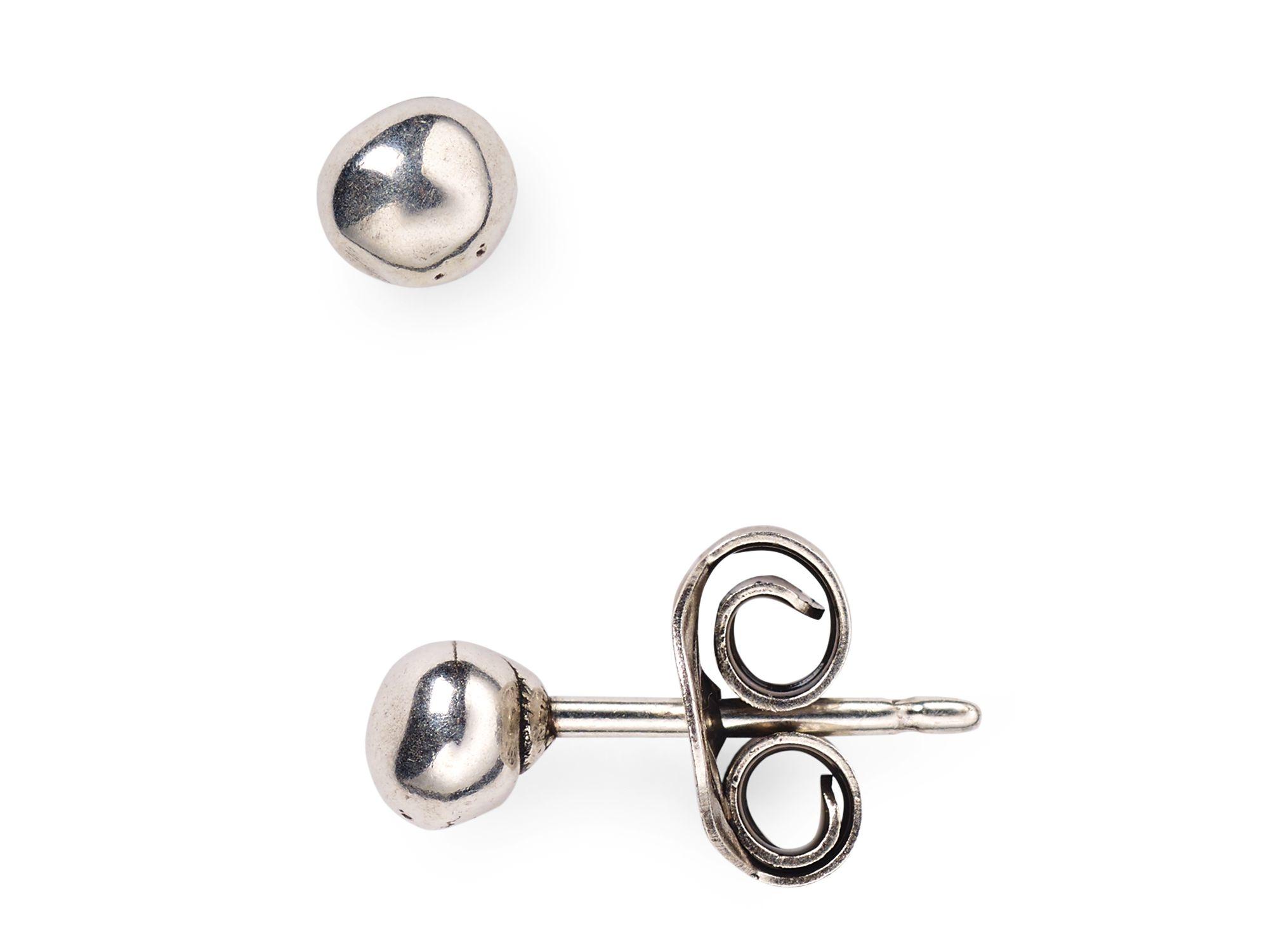 Lyst - Uno De 50 Pluto Stud Earrings in Metallic 52b14940b2