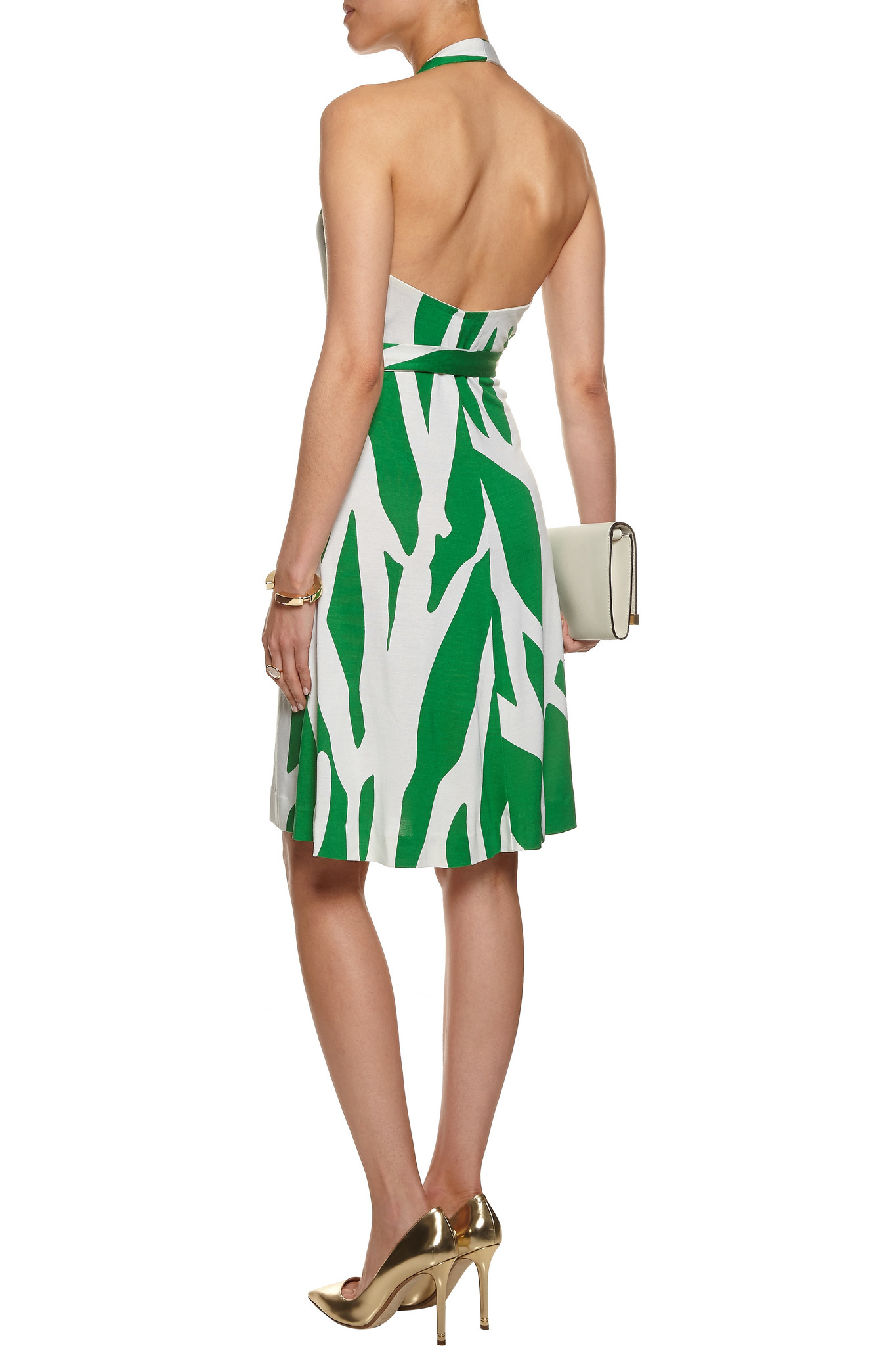 Introducing a stunning collection of wrap dresses for this season. From chic black or red styles to dressed-down jersey and checks, embrace the trend from day to night. The stylish wrap front dress design, in both short and long sleeve, looks flattering worn with classic court shoes or everyday flats.
