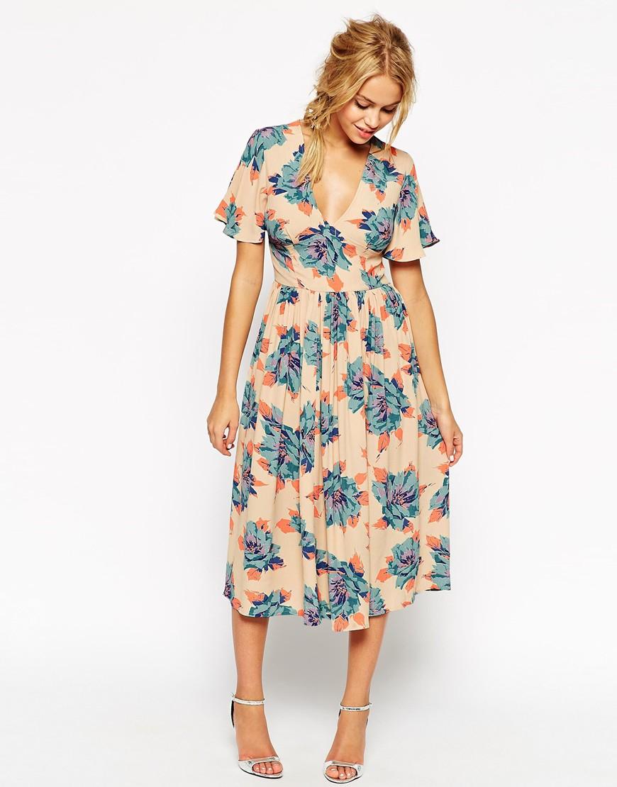 Lyst asos wedding midi tea dress in pretty floral print for Bebe dresses wedding guest