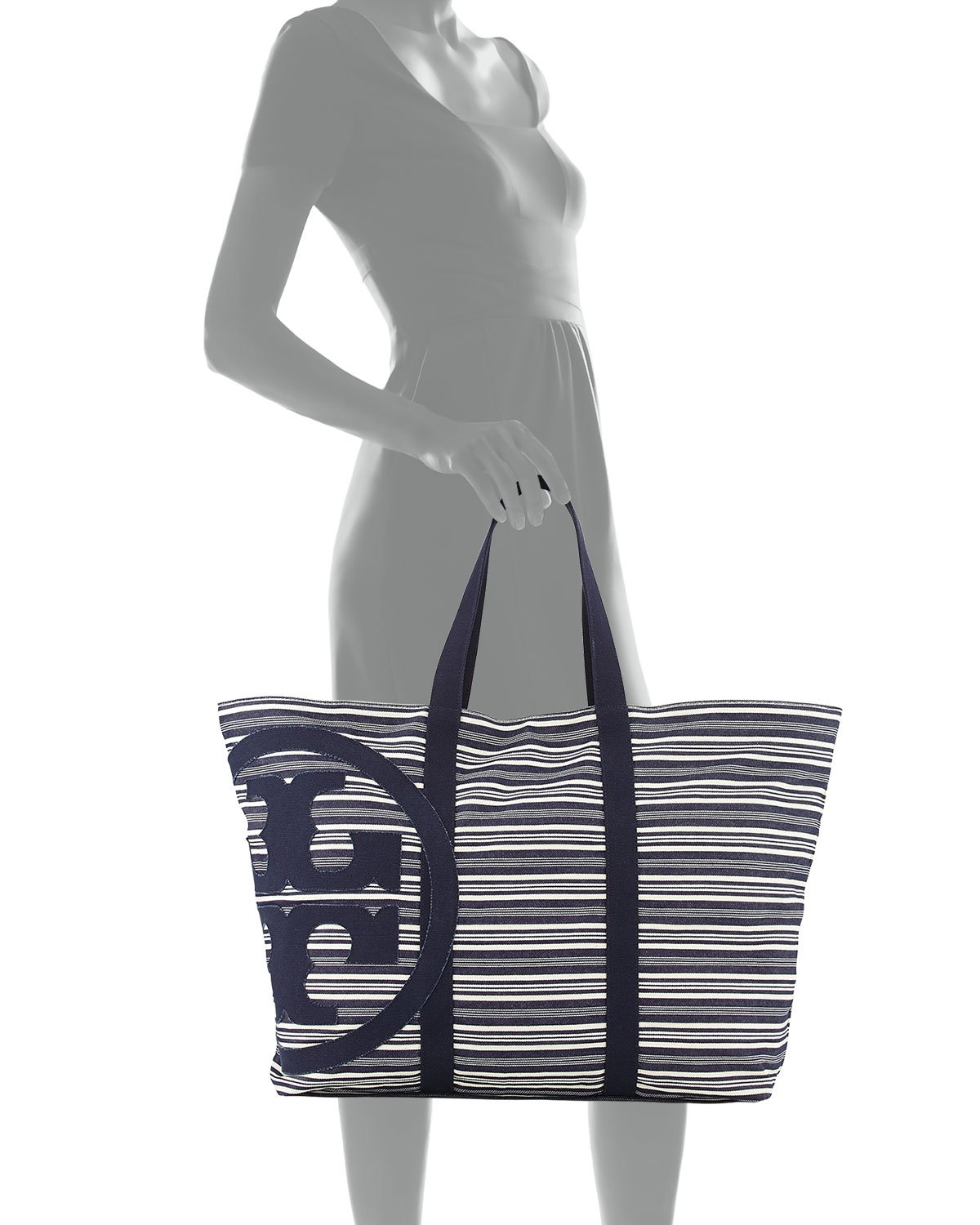 e84b69e550 Gallery. Previously sold at: Neiman Marcus · Women's Beach Bags