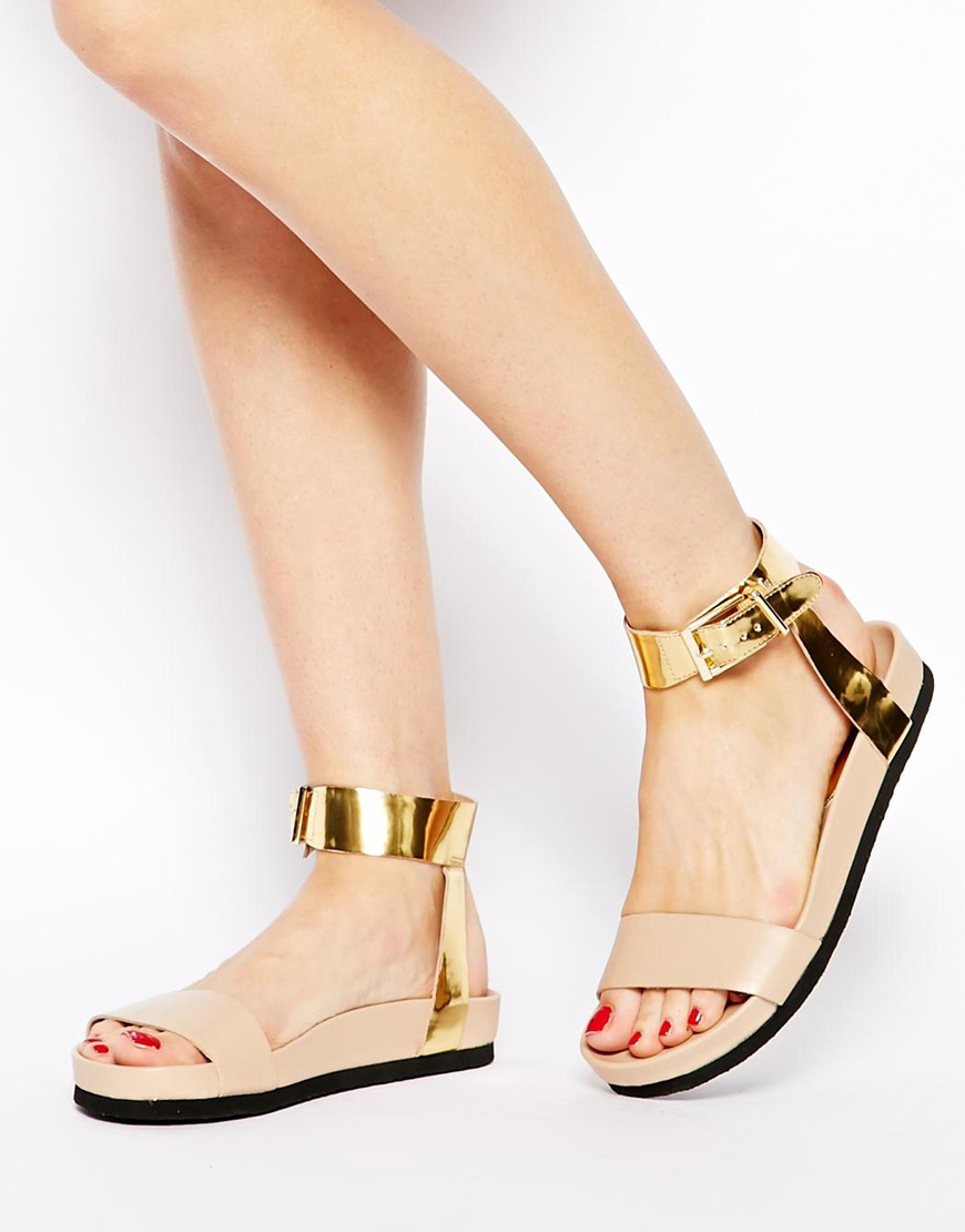 KG by Kurt Geiger Nude ripley Patent Sliders in Natural