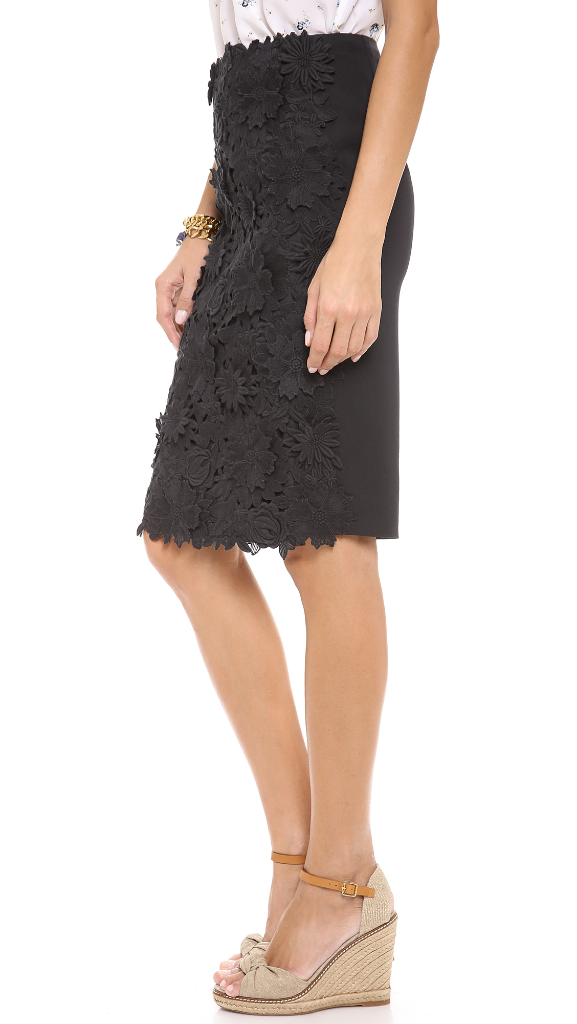 Lyst tory burch mia lace skirt in blue for Tory burch fashion island