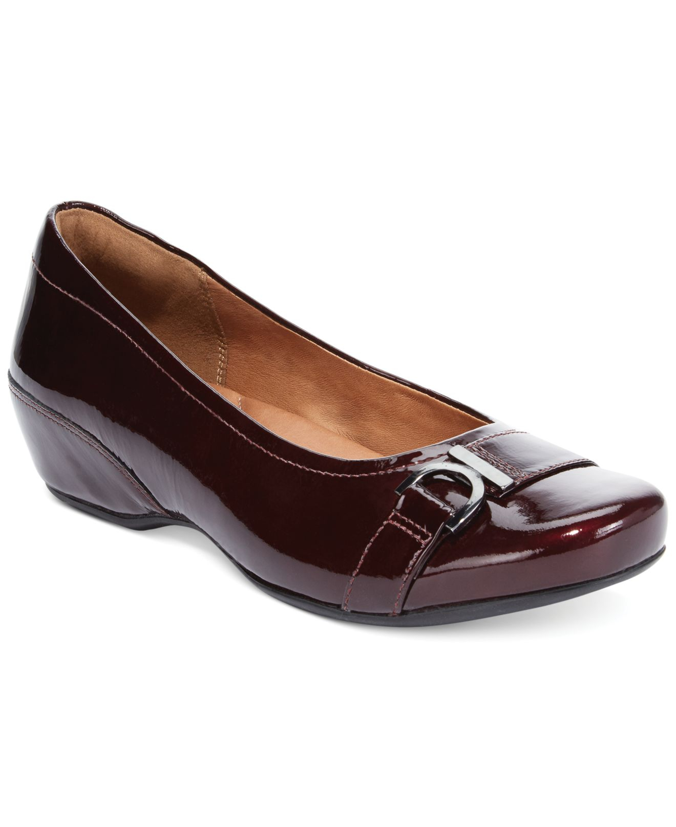 345c9022950 Lyst - Clarks Artisan Women s Concert Band Flats in Purple