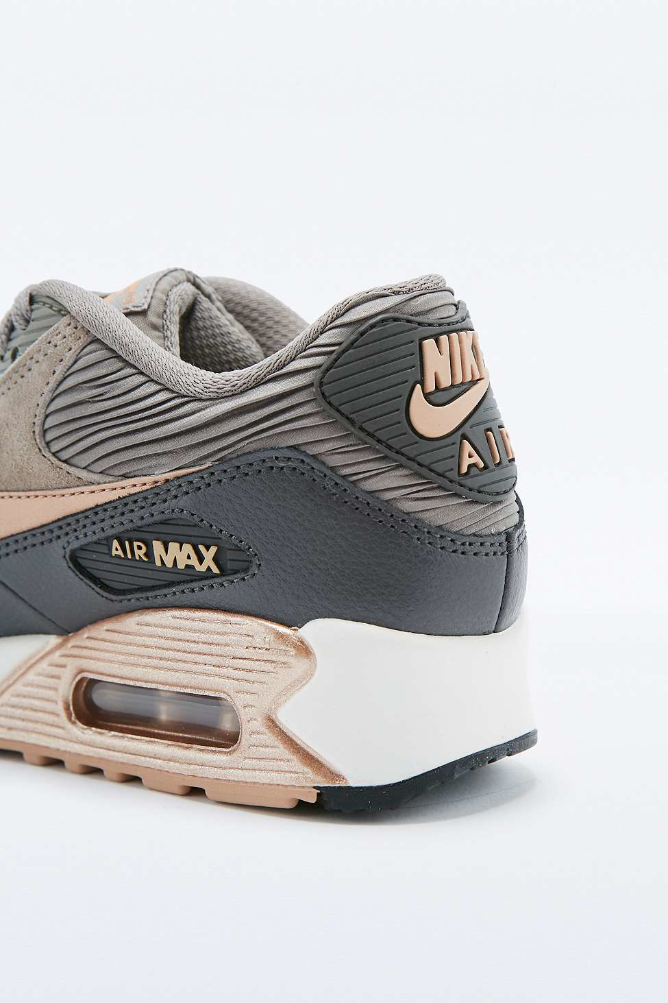 womens air max 90 leather trainer