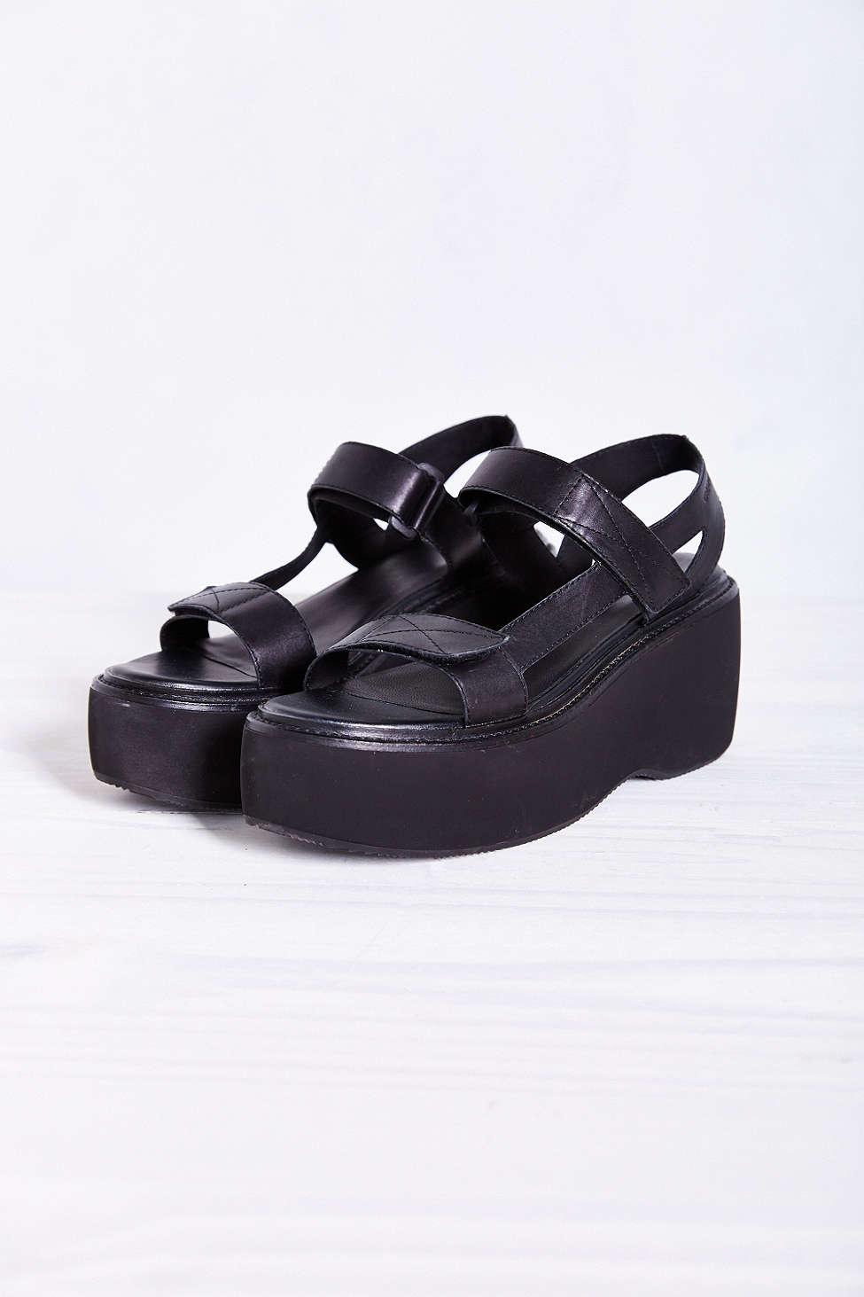 5d42f68b53f2 Lyst - Vagabond Alexis Sandal in Black