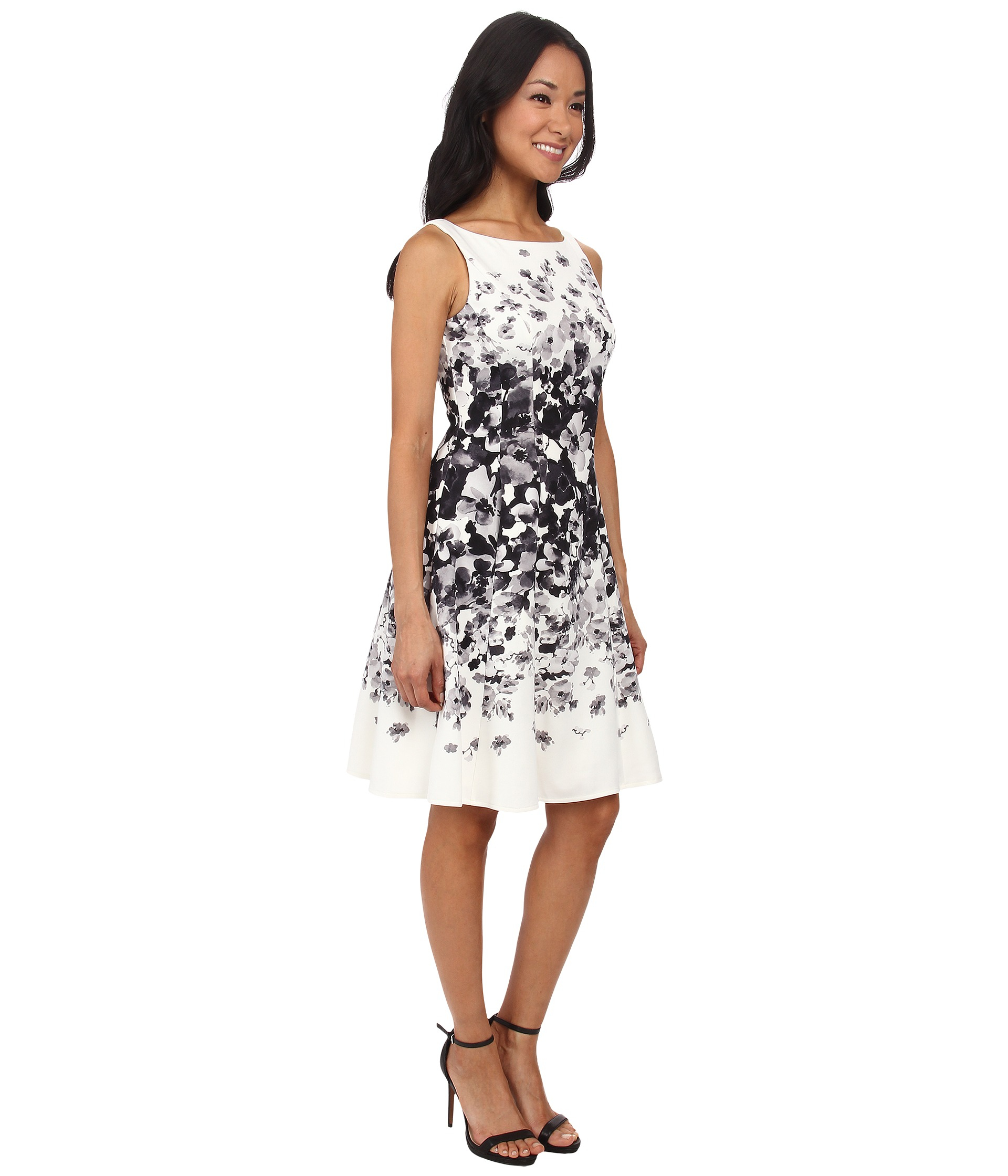 Maggy London Graduated Floral Light Weight Scuba Fit