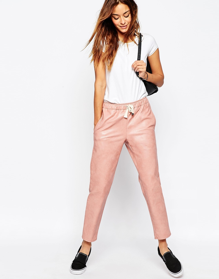 Discover Sweat Pants with ASOS. Shop the latest range of casual trousers, leggings and joggers with ASOS.