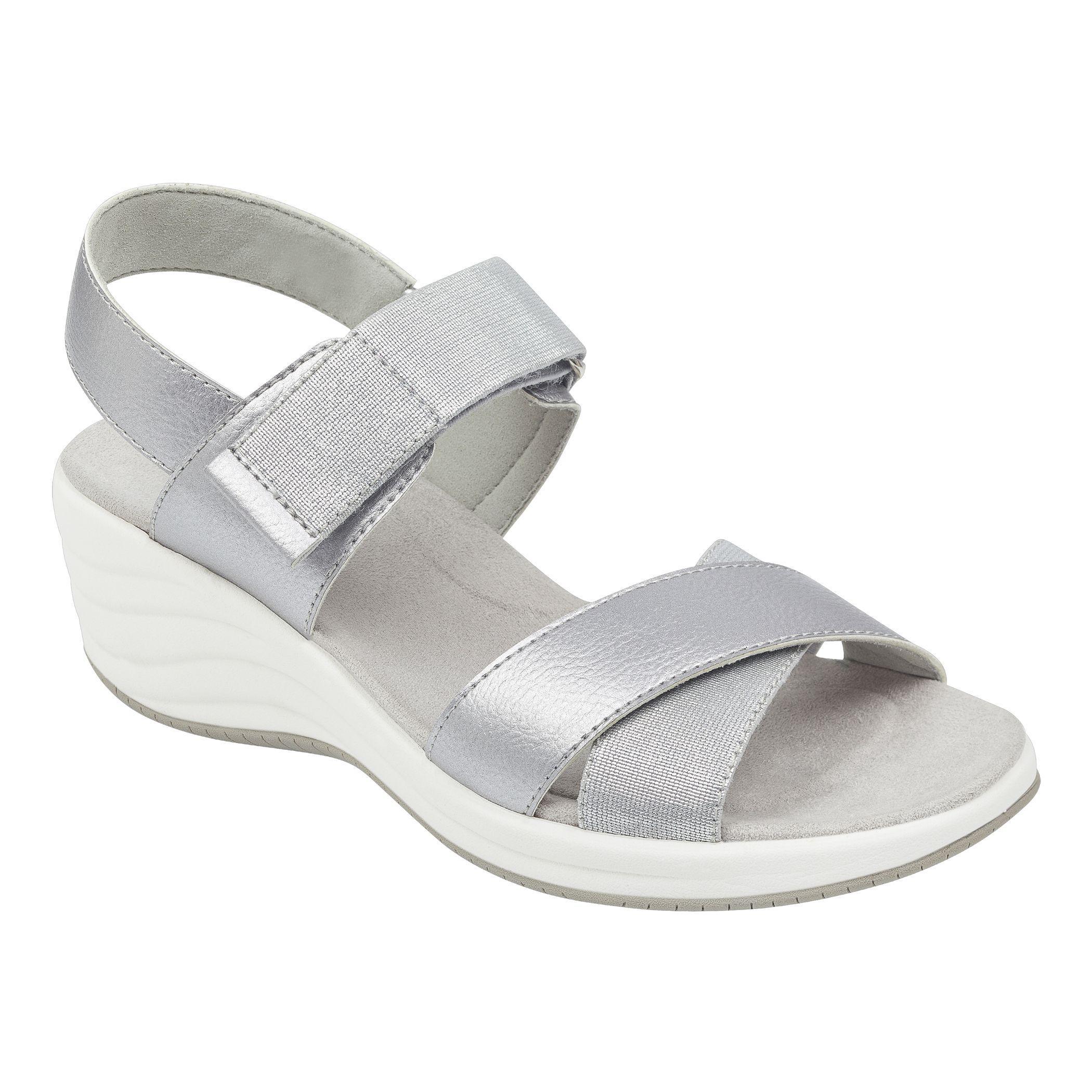 a9a97e5c646e Lyst - Easy Spirit Darry Wedge Sandals in Metallic