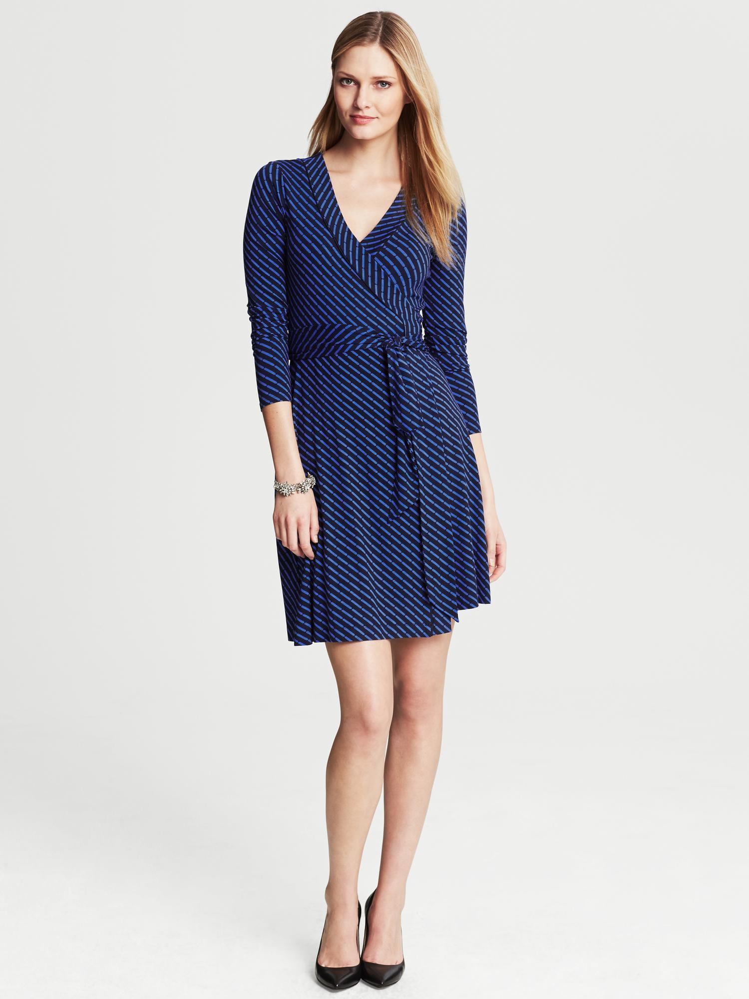 banana-republic-blue-gemma-geo-print-wrap-dress-true-navy-product-1-16335702-0-693692568-normal.jpeg
