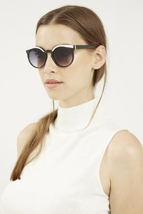 021a301cf16 Lyst - TOPSHOP Lexi Round Sunglasses in Black